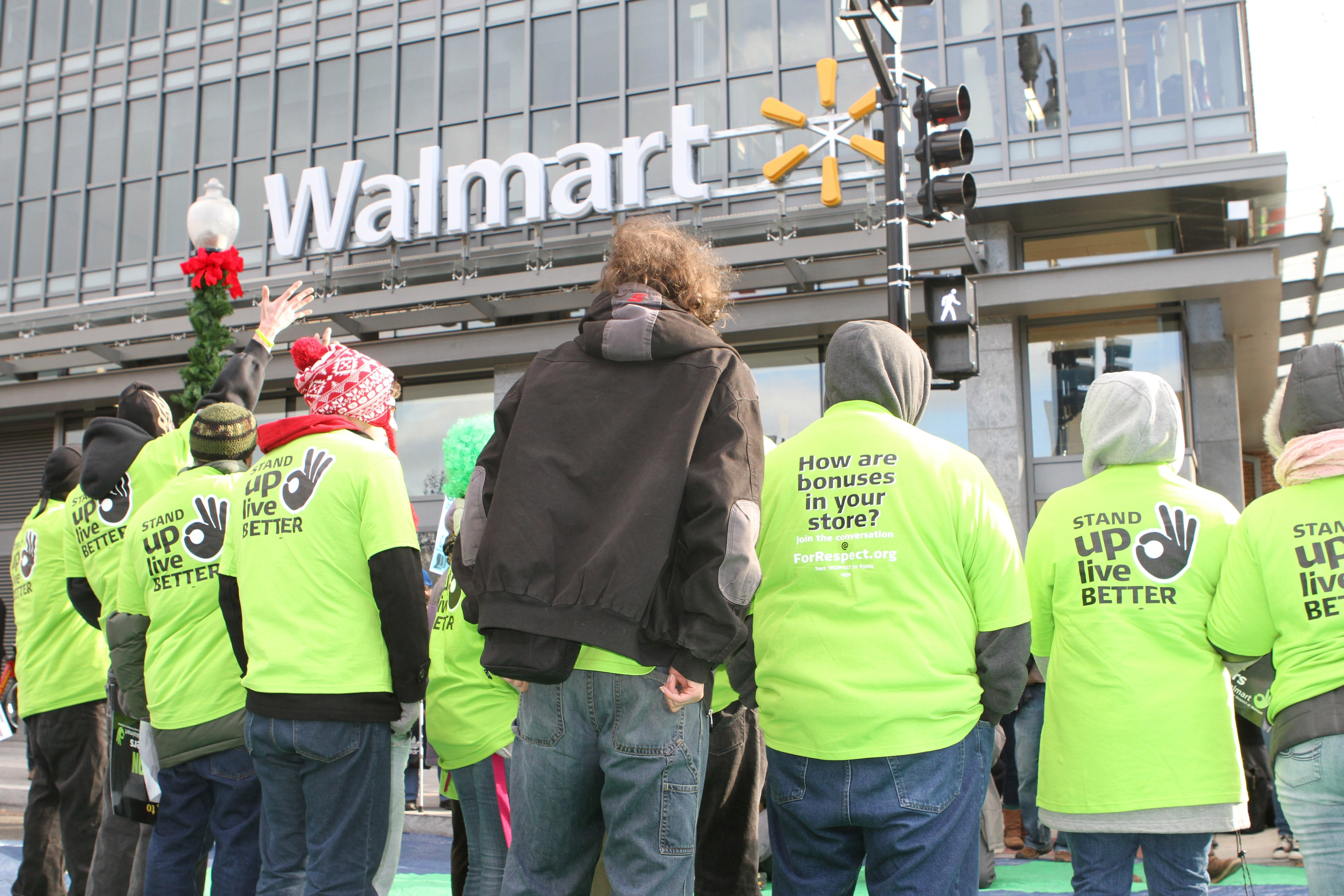 Walmart protesters demand better wages