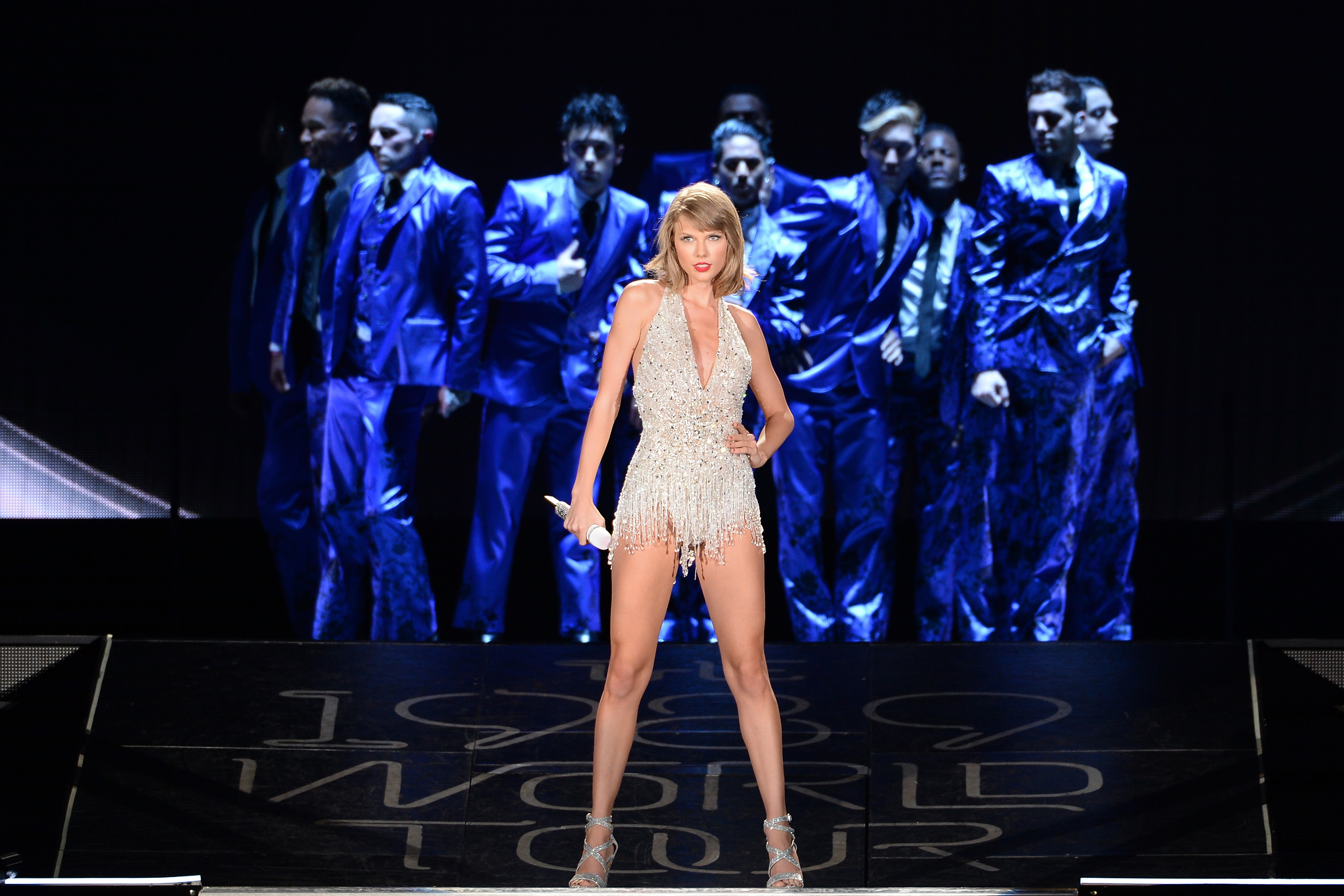 Taylor Swift S 1989 Tour In China Conjures Images Of Tiananmen Square Fortune