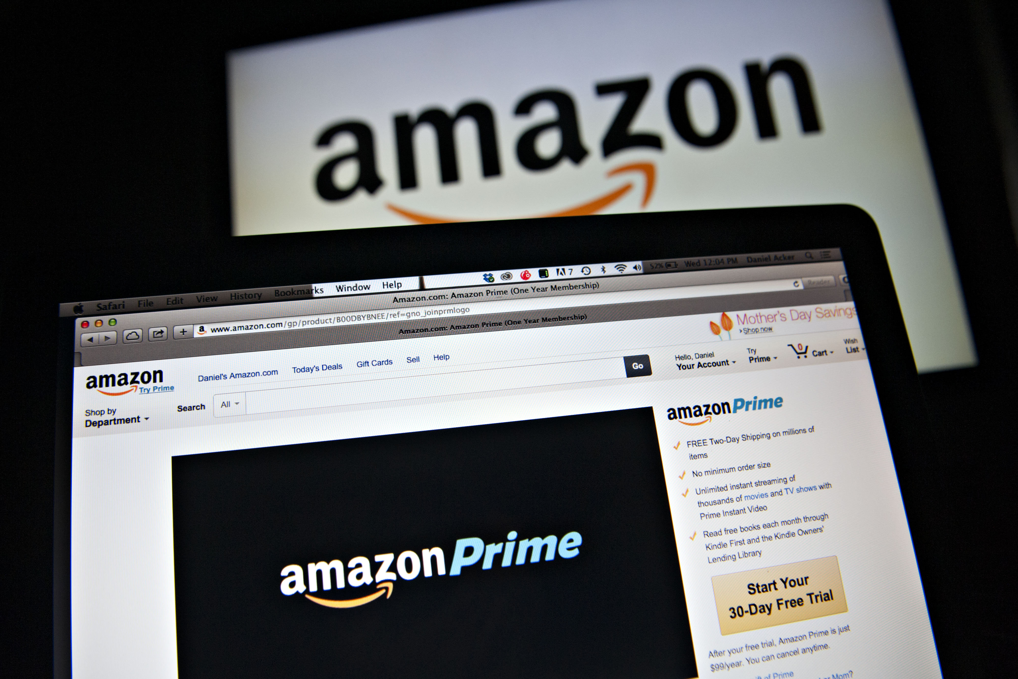 Amazon opens more pick-up outlets near college campuses