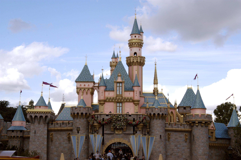 Disneyland Resort Holiday 2004 File Photos