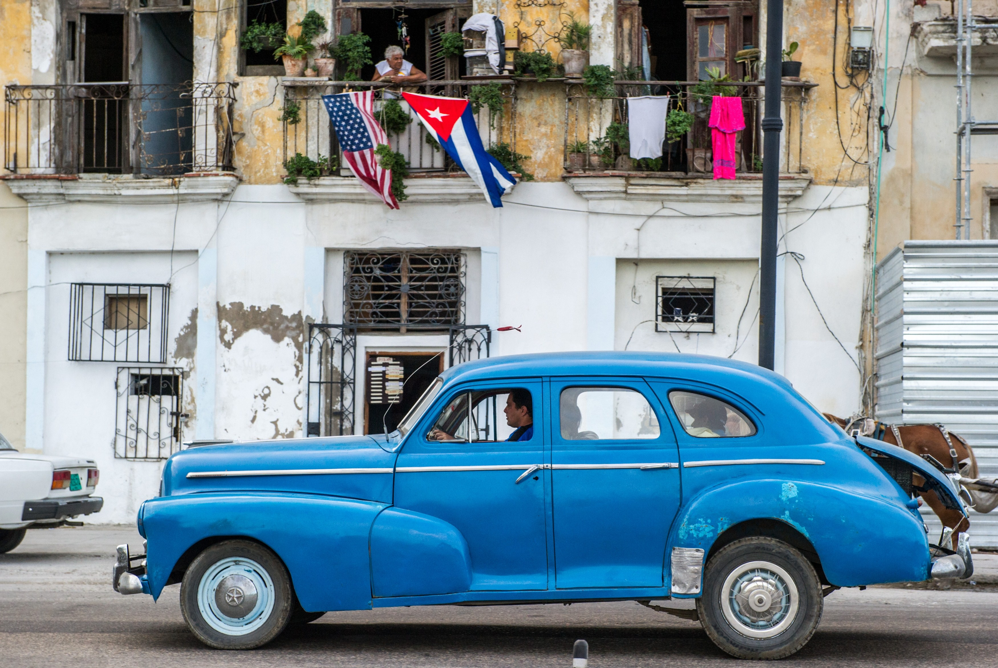 CUBA-OLD AMERICAN CARS