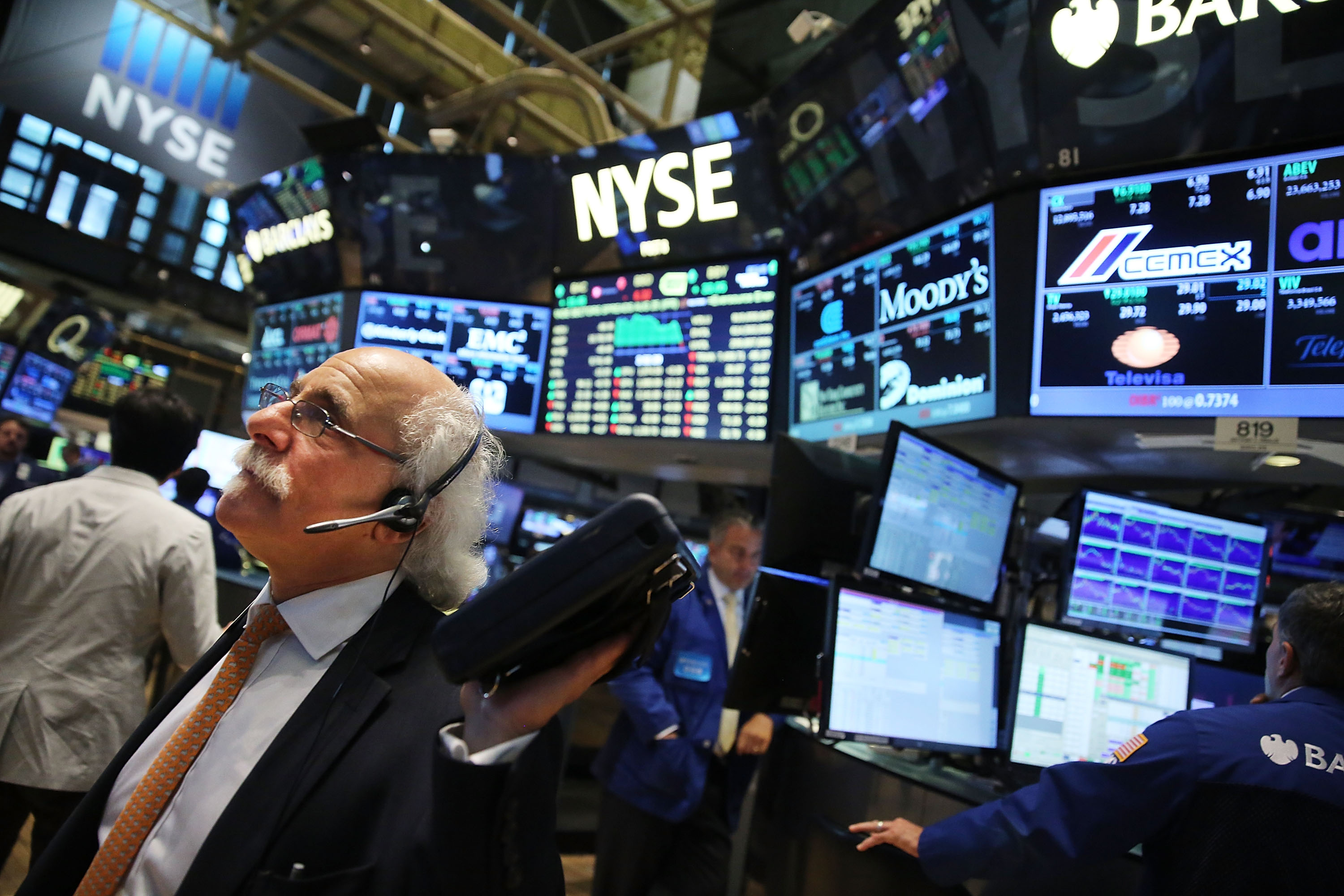 Stocks Continue Downward Slide On Heels Of Yesterday's Extreme Fall