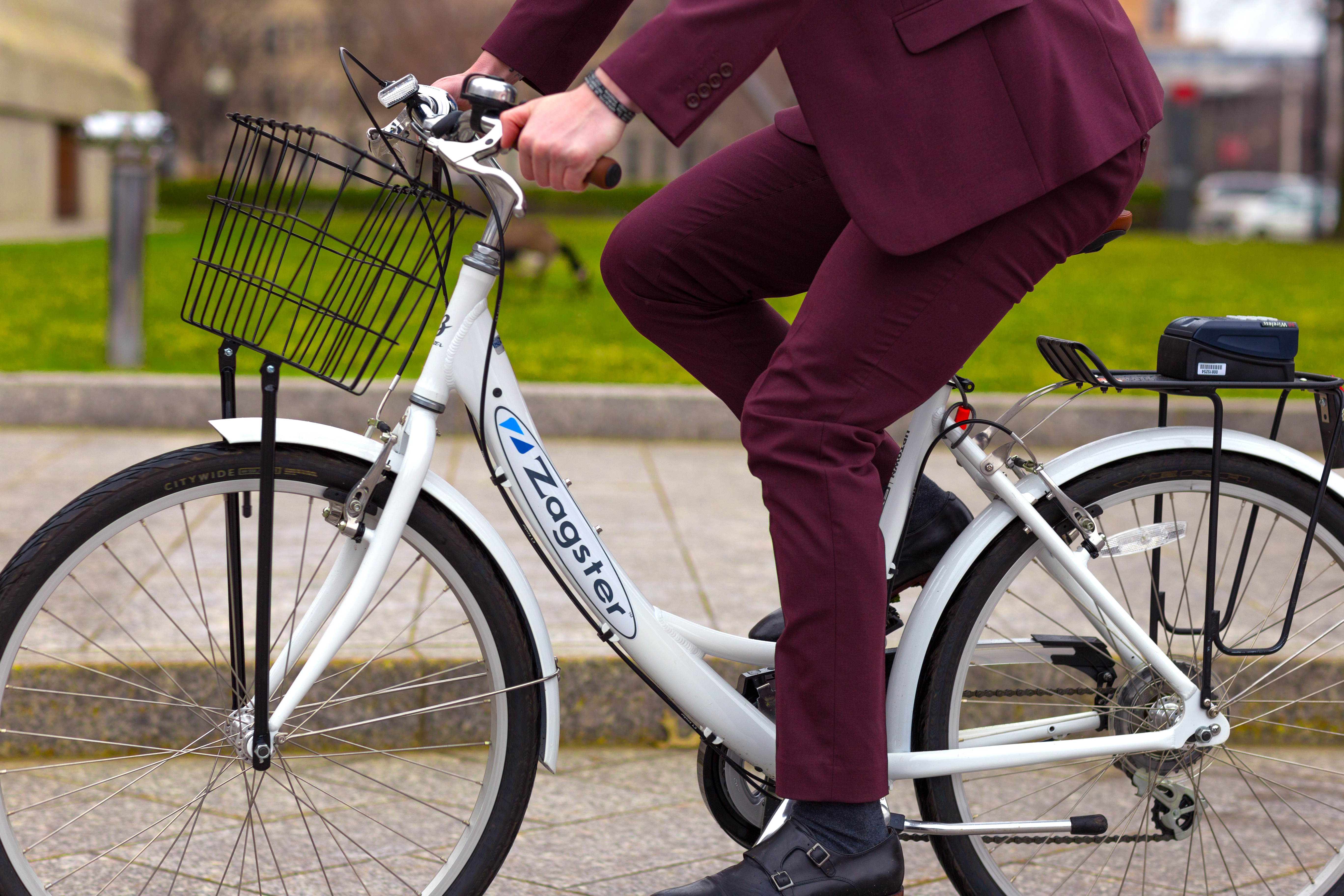 A Zagster shared bike in action.
