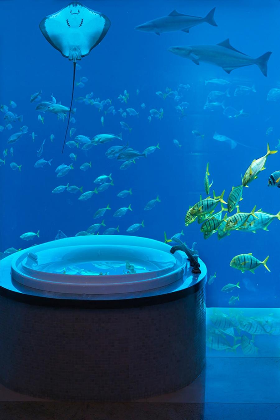 underwater-suites-bathroom