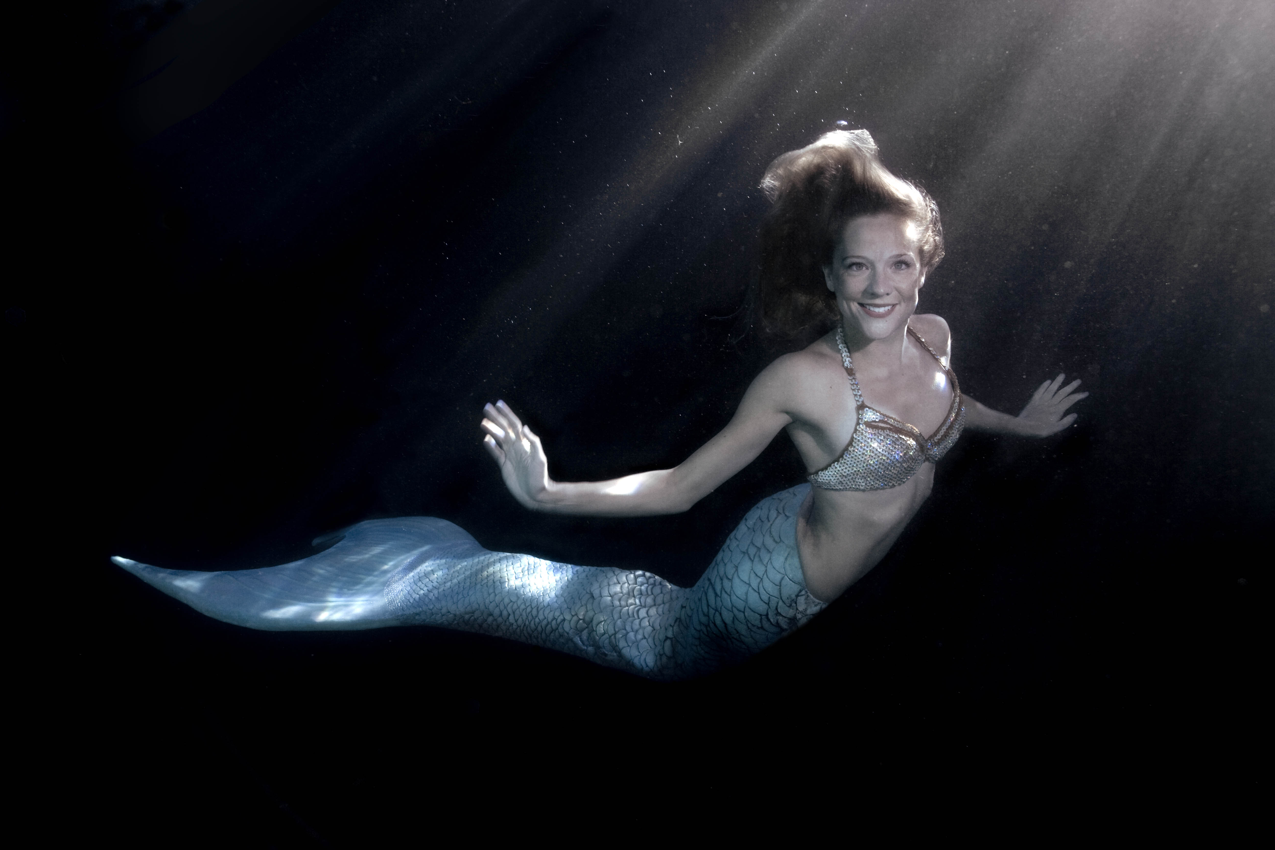 Mermaid-for-hire Linden Wolbert