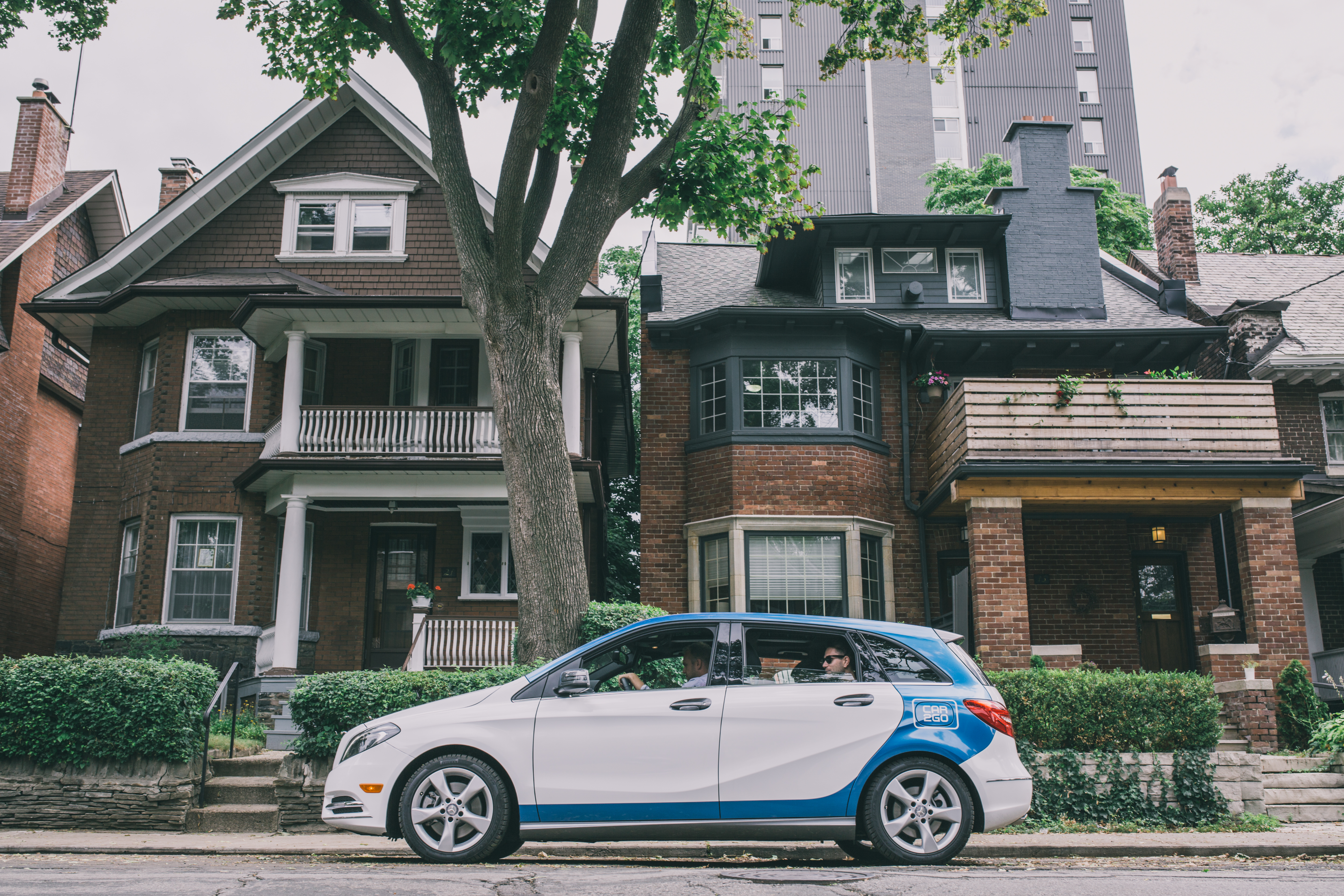 Carsharing company car2go is expanding beyond the two-seater smart fortwo vehicle. The company announced it will introduce four-door Mercedes B-class vehicles to its fleet in Toronto, Vancouver, and Calgary.