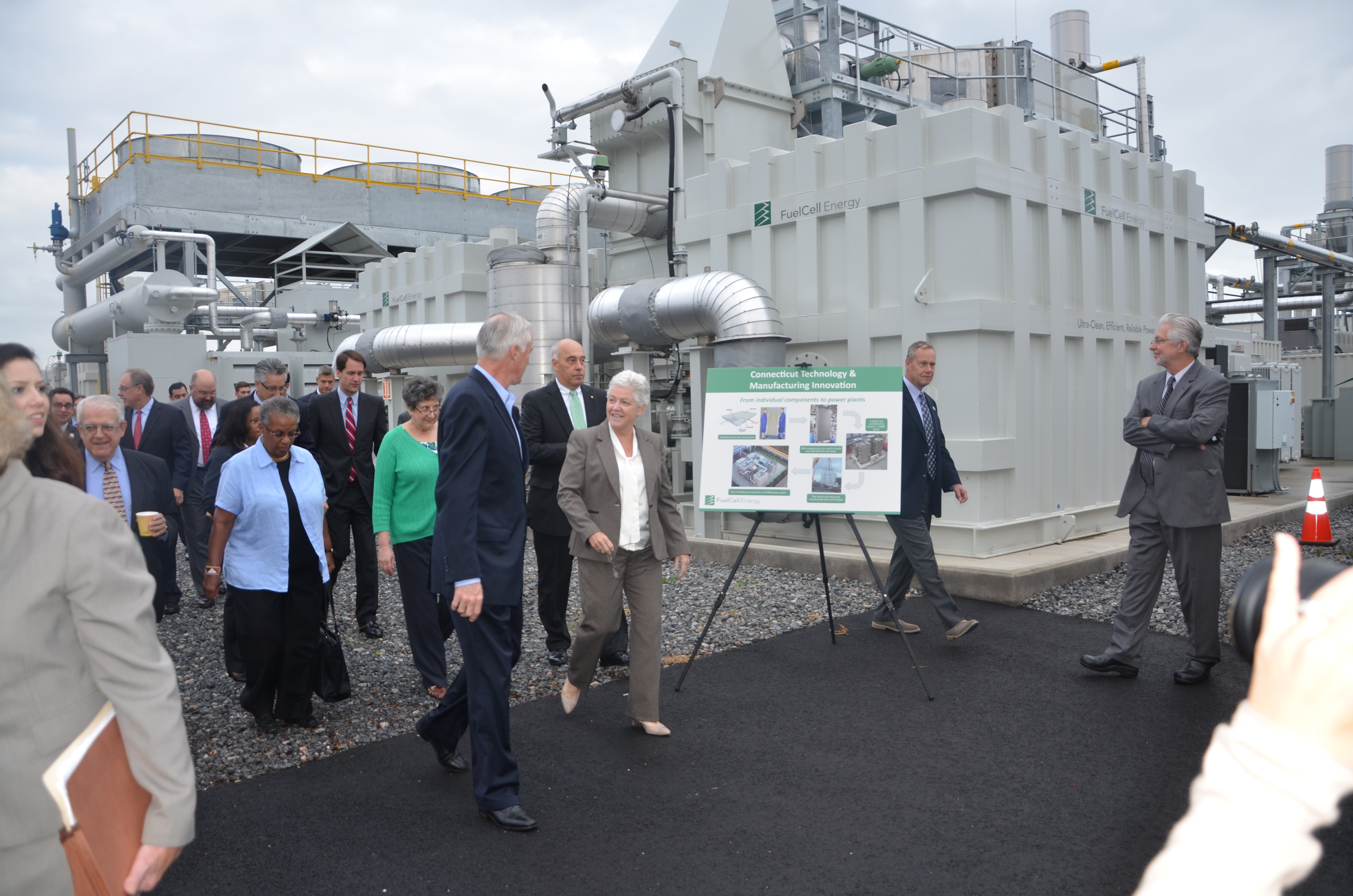 "EPA Administrator Gina McCarthy toured FuelCell Energy's Bridgeport fuel cell park in Oct. 2014, declaring it ""reflects a pathway for American energy security and ingenuity."""