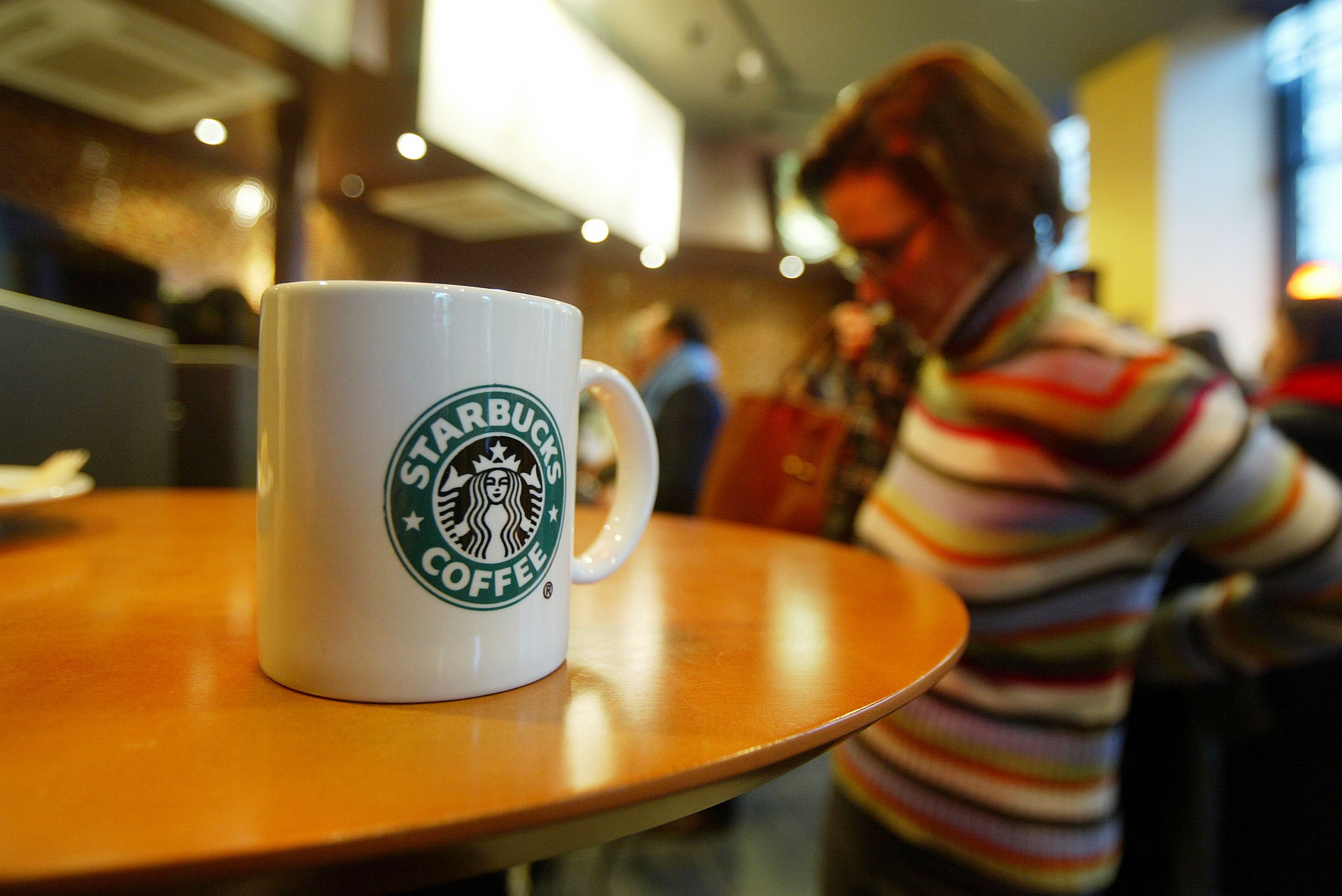 Starbucks Launches First Paris Cafe