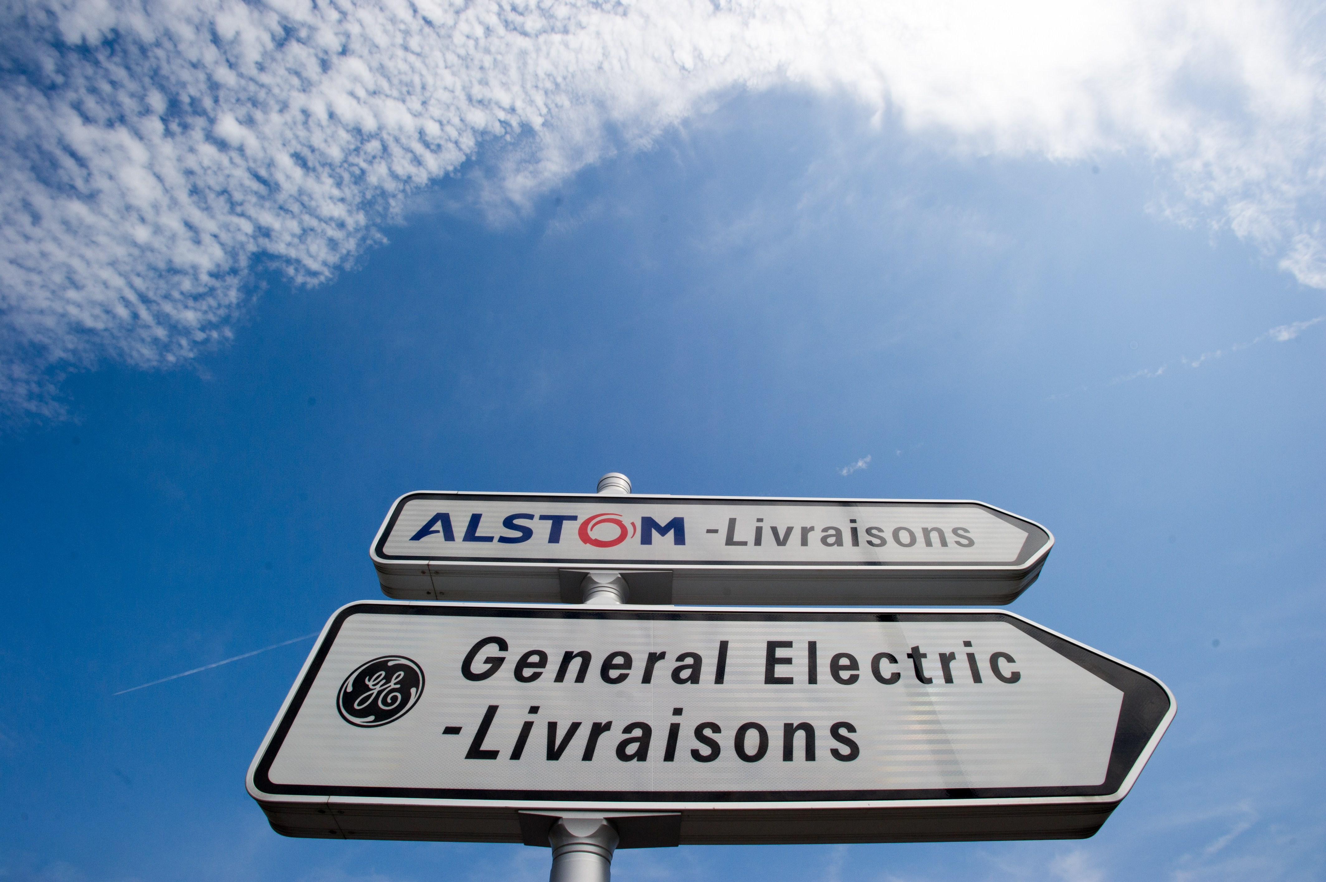 FRANCE-US-ENGINEERING-BUSINESS-ACQUISITION-GOVERNMENT-ALSTOM