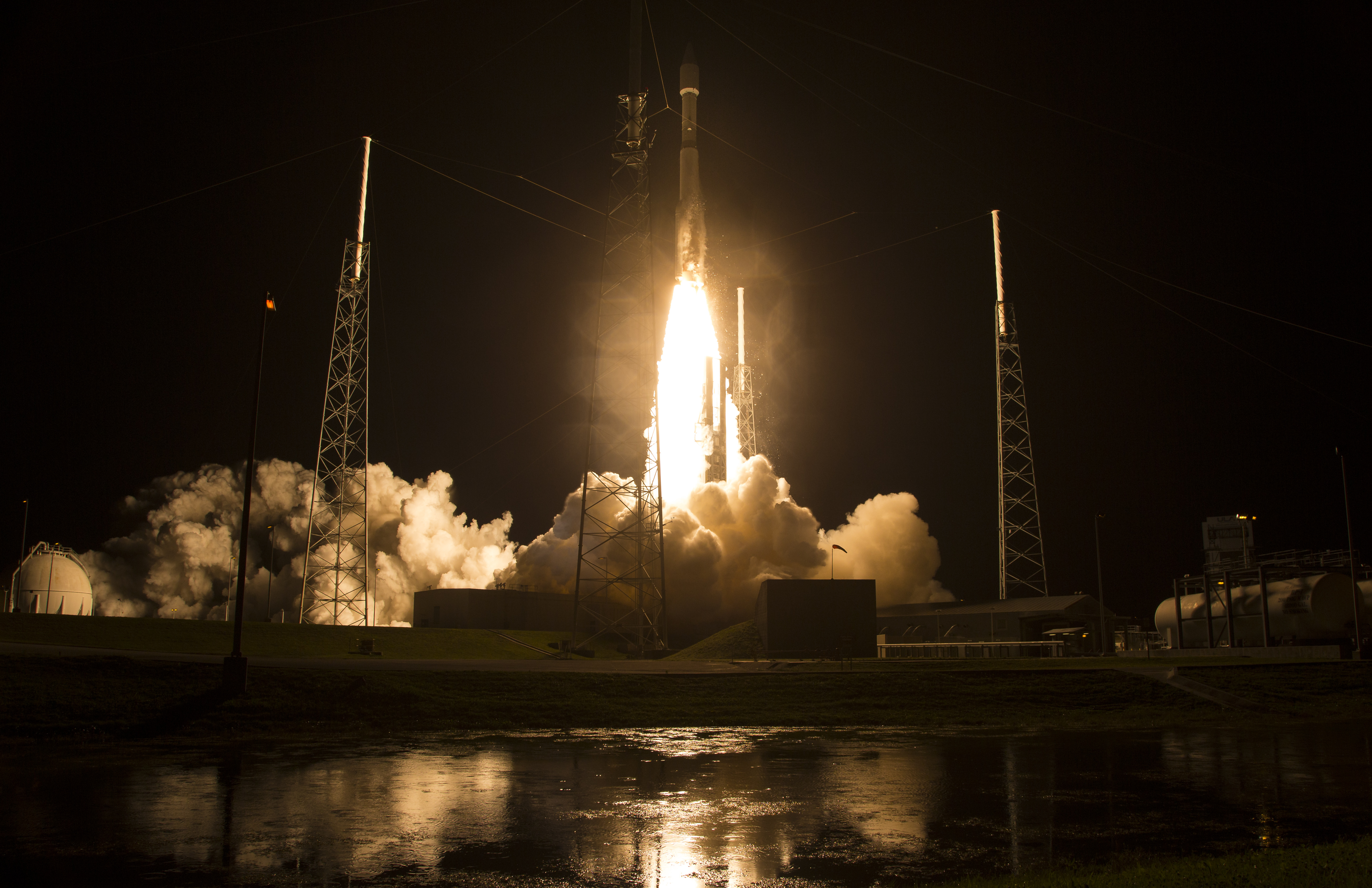 The United Launch Alliance Atlas V rocket with NASA's Magnetospheric Multiscale (MMS) spacecraft onboard launches from the Air Force Station Space Launch Complex 41 on March 12, 2015 in Cape Canaveral, Fla.