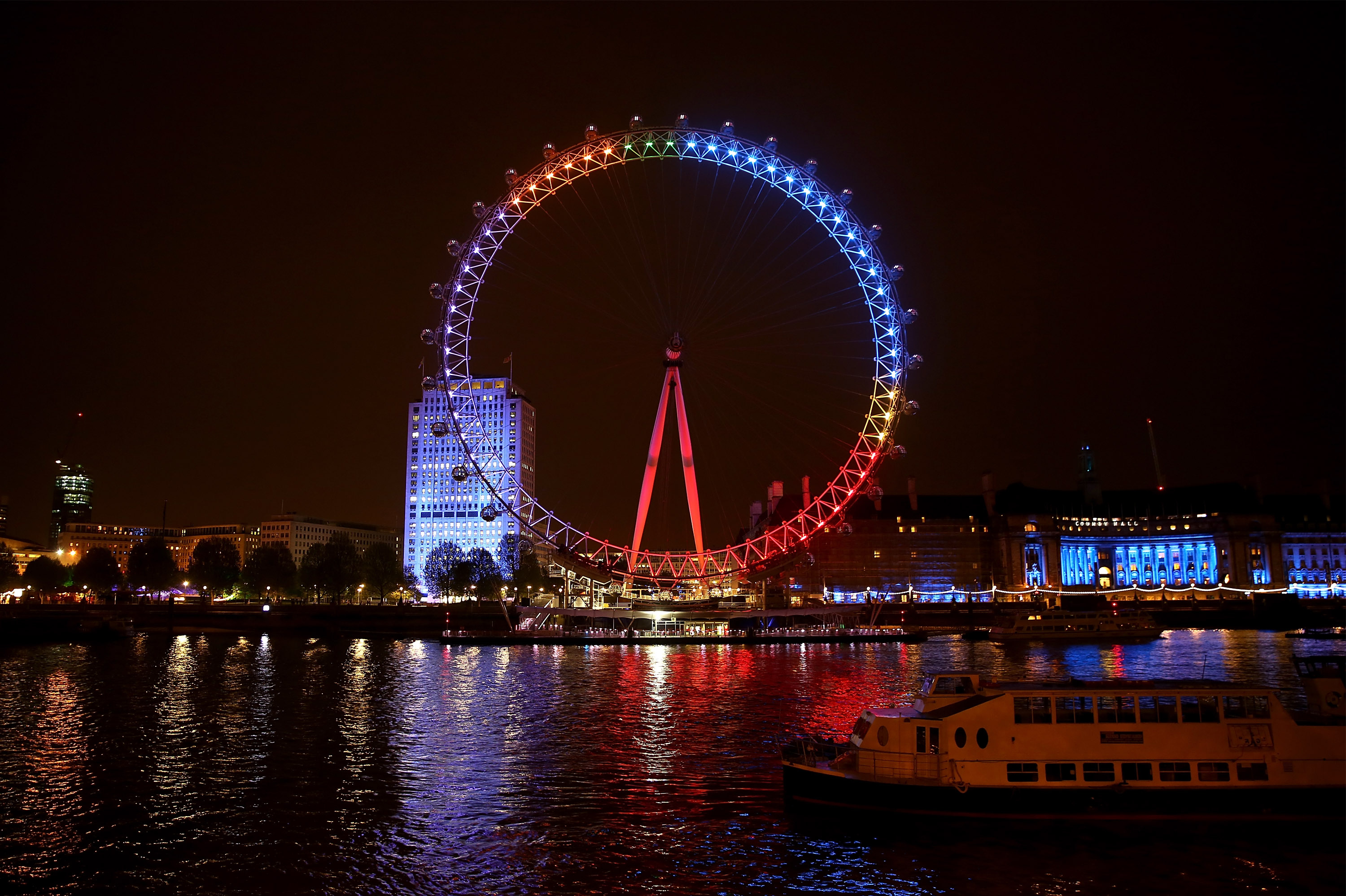 Facebook Lights Up The London Eye With The Nation's General Election Conversations