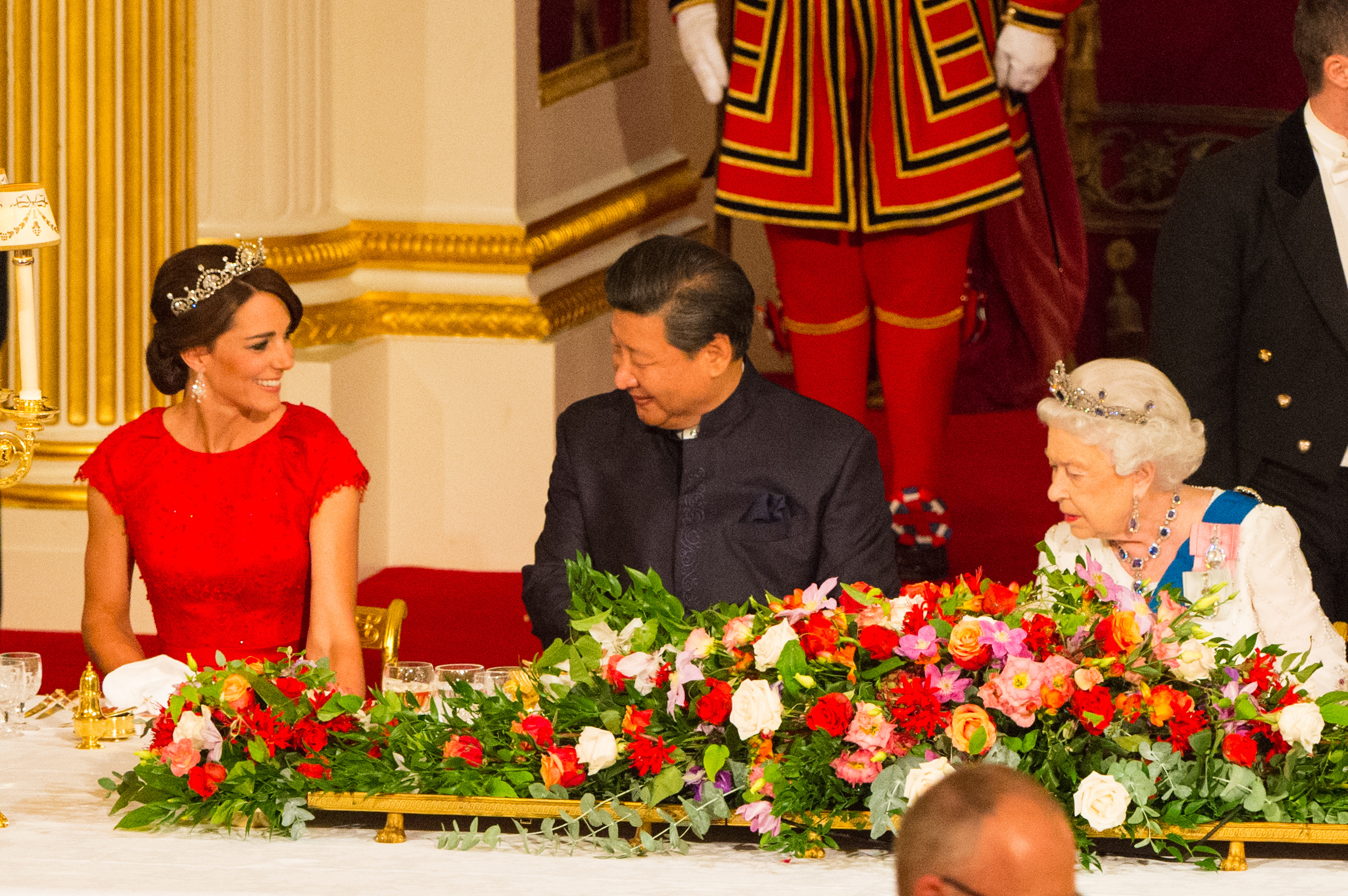 Chinese President Xi Jinping with the Duchess of Cambridge (left) and Queen Elizabeth II at a state banquet at Buckingham Palace, London, during the first day of his state visit to the UK. PRESS ASSOCIATION Photo. Picture date: Tuesday October 20, 2015. See PA story ROYAL China. Photo credit should read: Dominic Lipinski/PA Wire