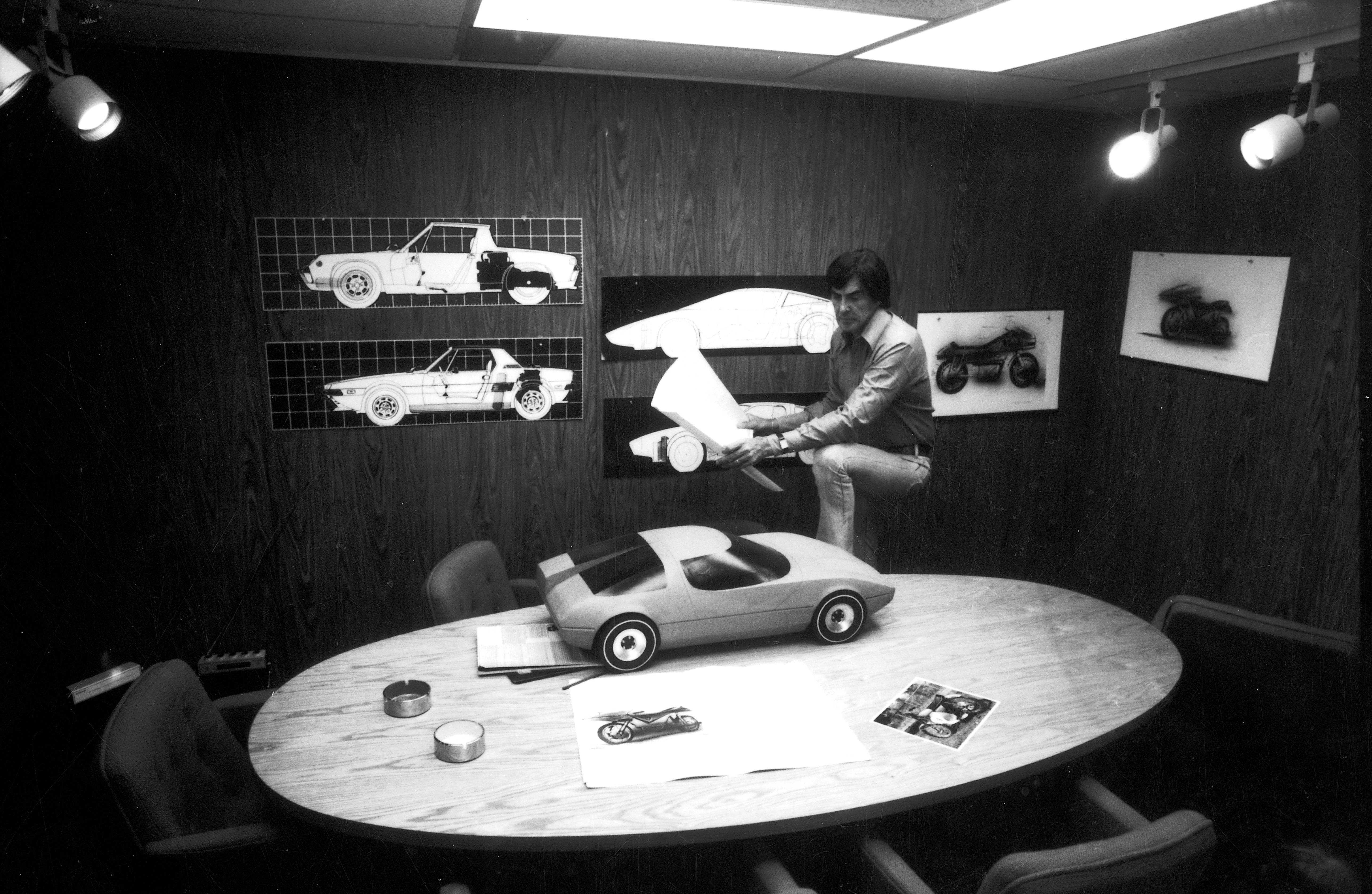 DeLorean Works On A Design