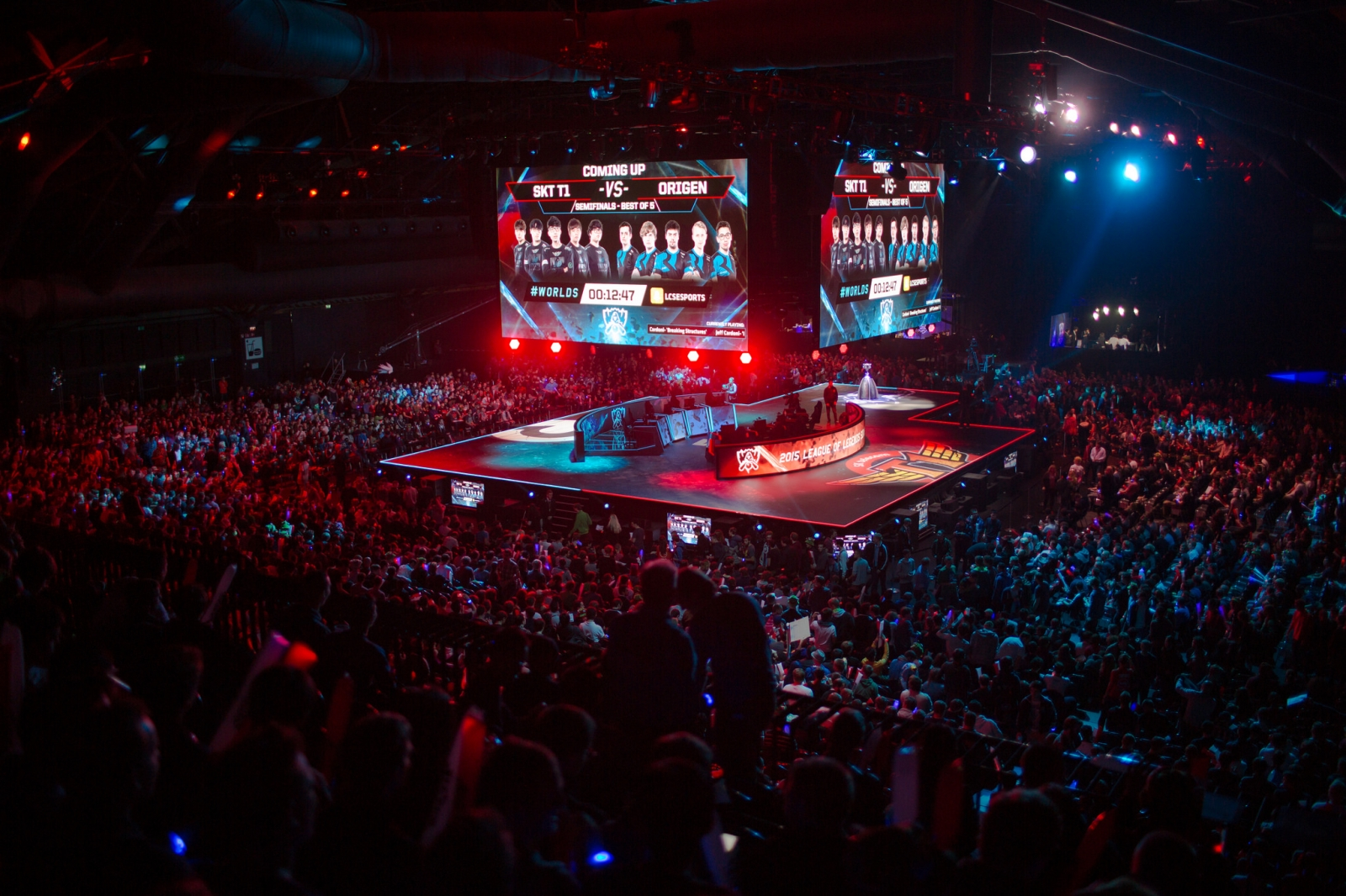 Riot Games has sold out arenas throughout Europe like Brussels Expo for its eSports tournament.