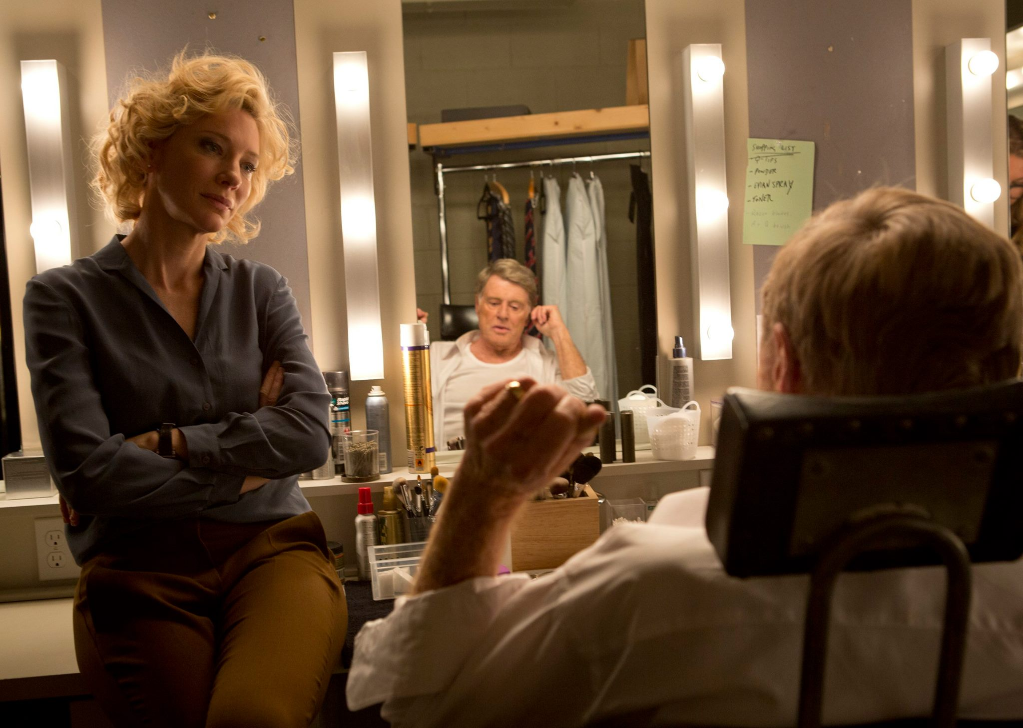 Still of Robert Redford and Cate Blanchett in Truth.