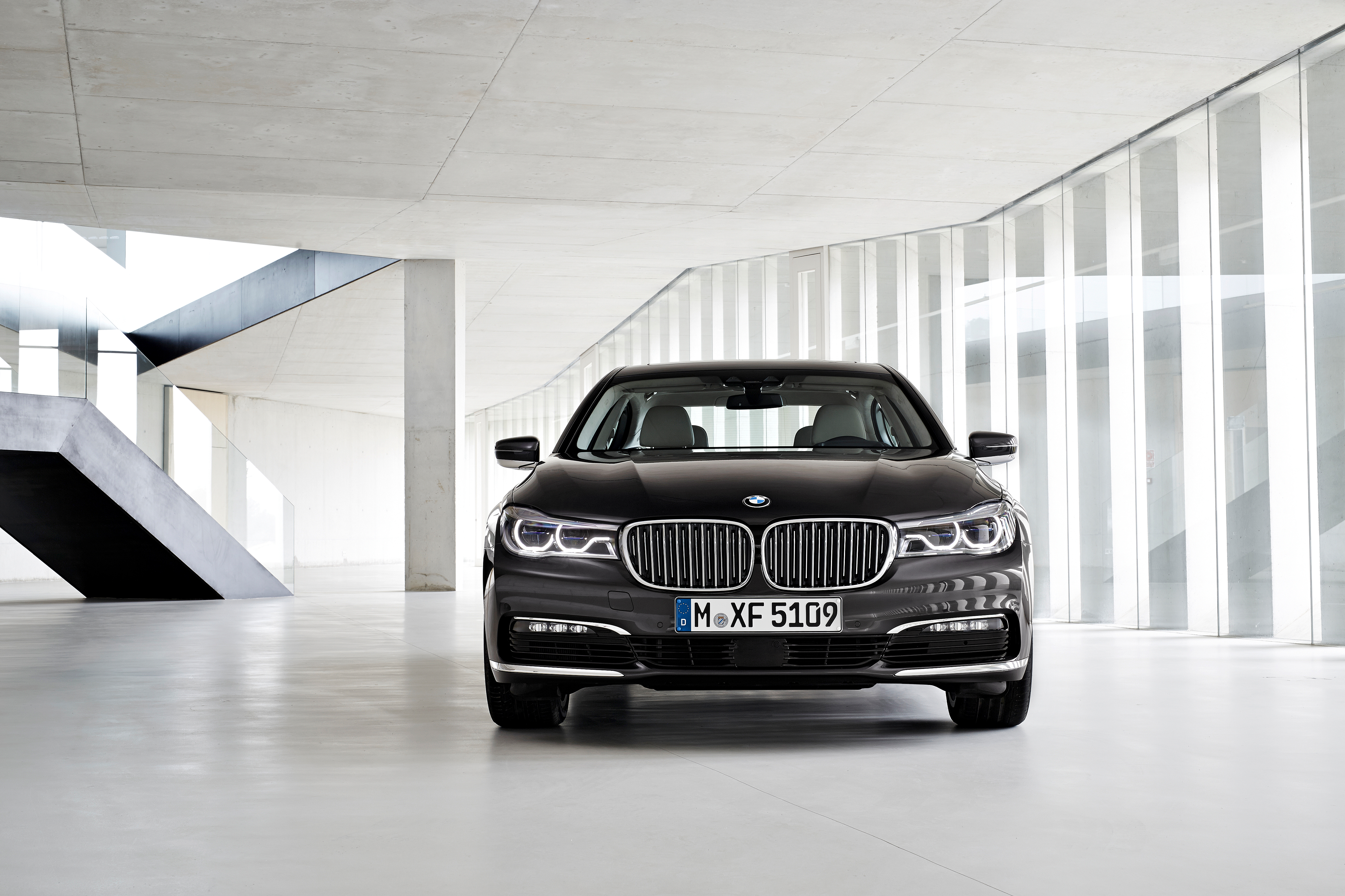 Uber riders get a chance to test-ride the new BMW 7 Series before it arrives in U.S. showrooms.
