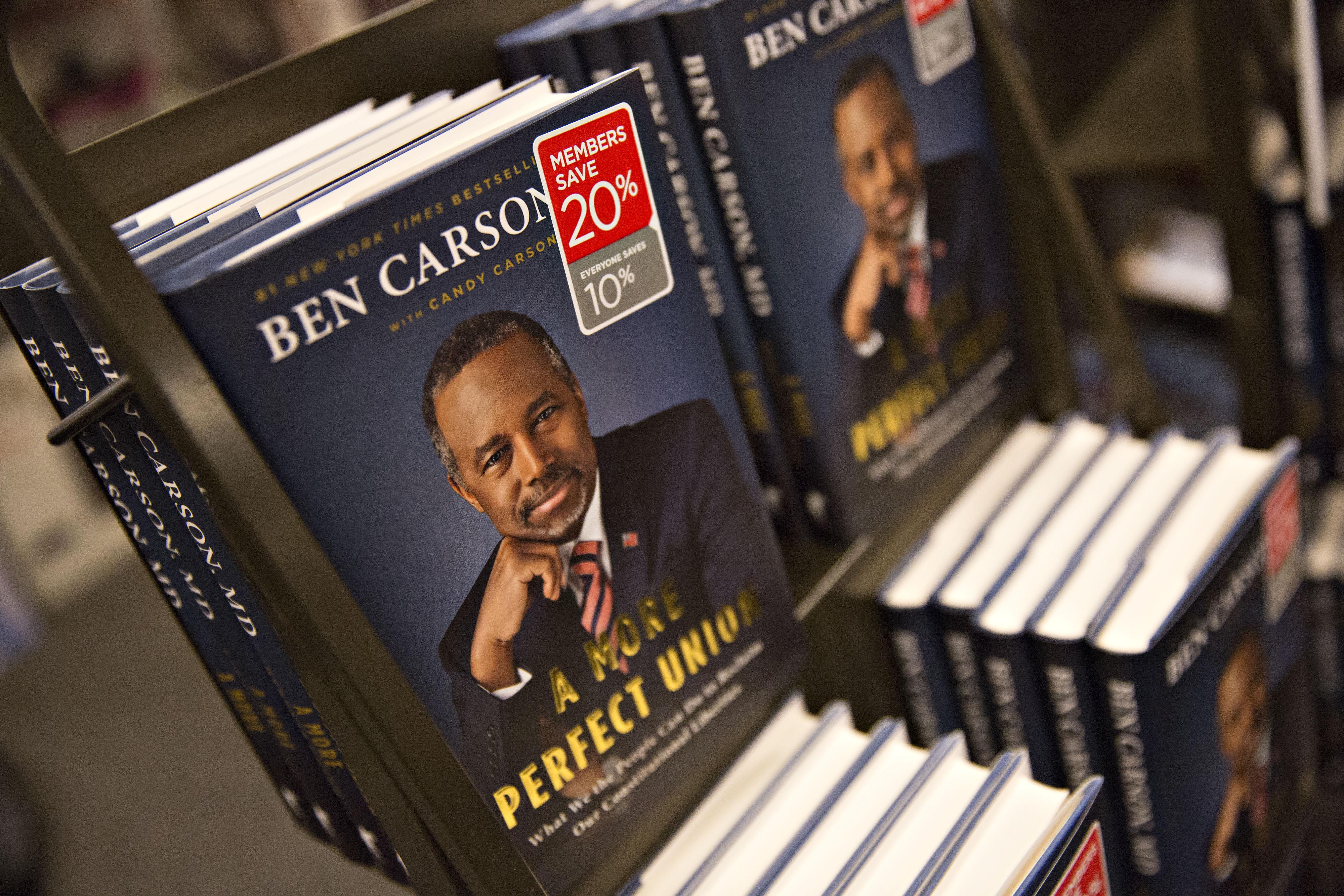 Ben Carson Campaigns In Iowa