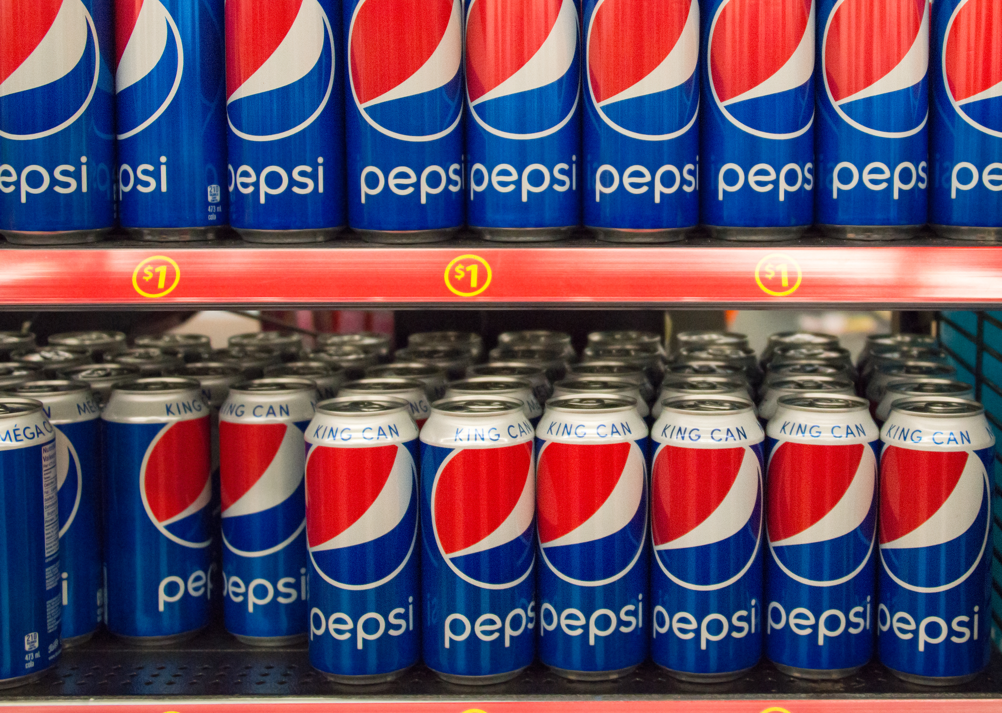 TORONTO, ONTARIO, CANADA - 2015/03/29: Pepsi Cola King Can on Store Shelf; Pepsi is a carbonated soft drink that is produced and manufactured by PepsiCo. and distributed all over the world. (Photo by Roberto Machado Noa/LightRocket via Getty Images)