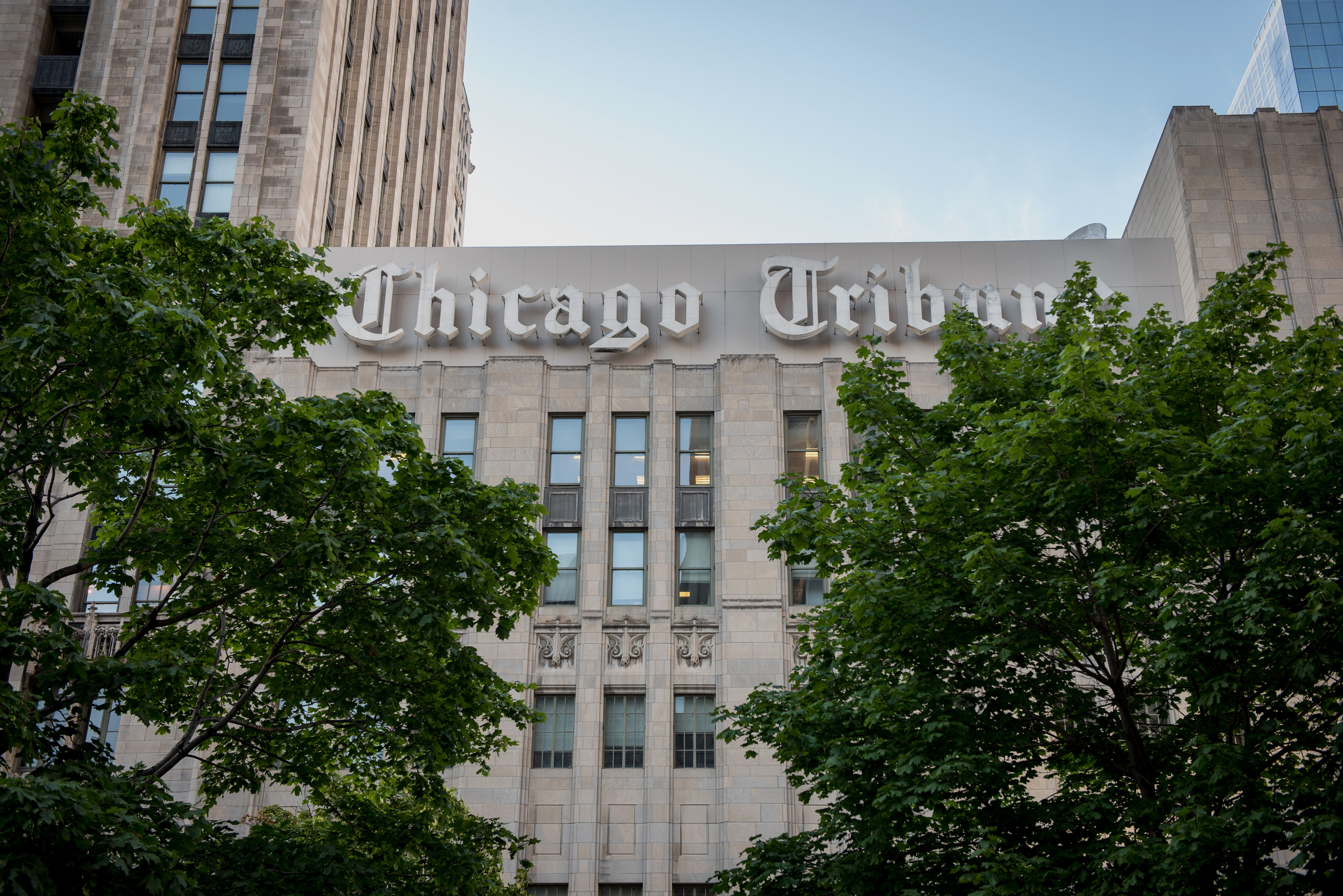 Chicago Tribune signage is displayed on the side of the Tribune Tower in Chicago, Illinois, U.S. August 6, 2015.  Photo: Christopher Dilts/Bloomberg