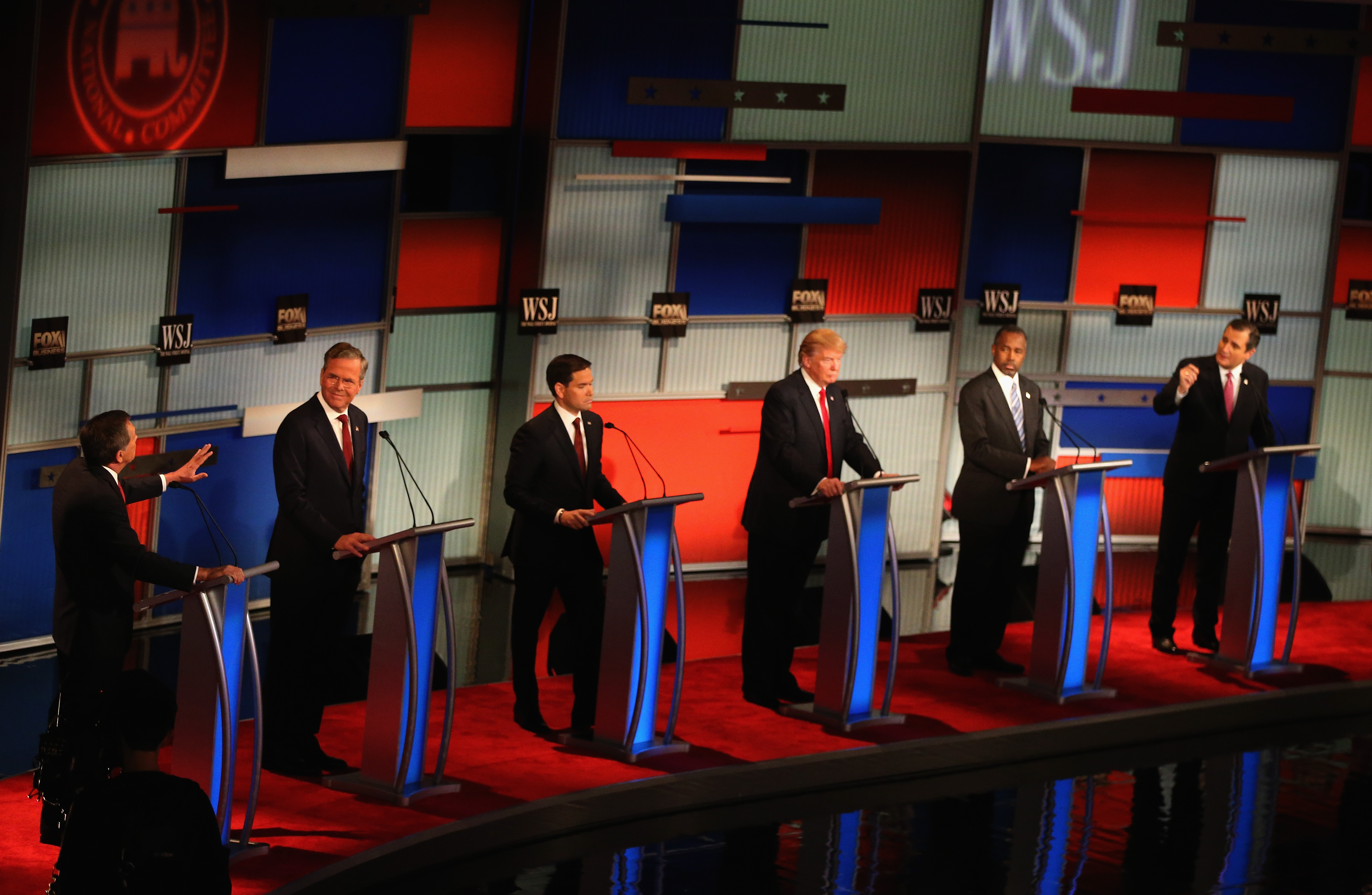Presidential candidates take part in the Republican Presidential Debate sponsored by Fox Business and the Wall Street Journal at the Milwaukee Theatre November 10, 2015 in Milwaukee, Wisconsin.