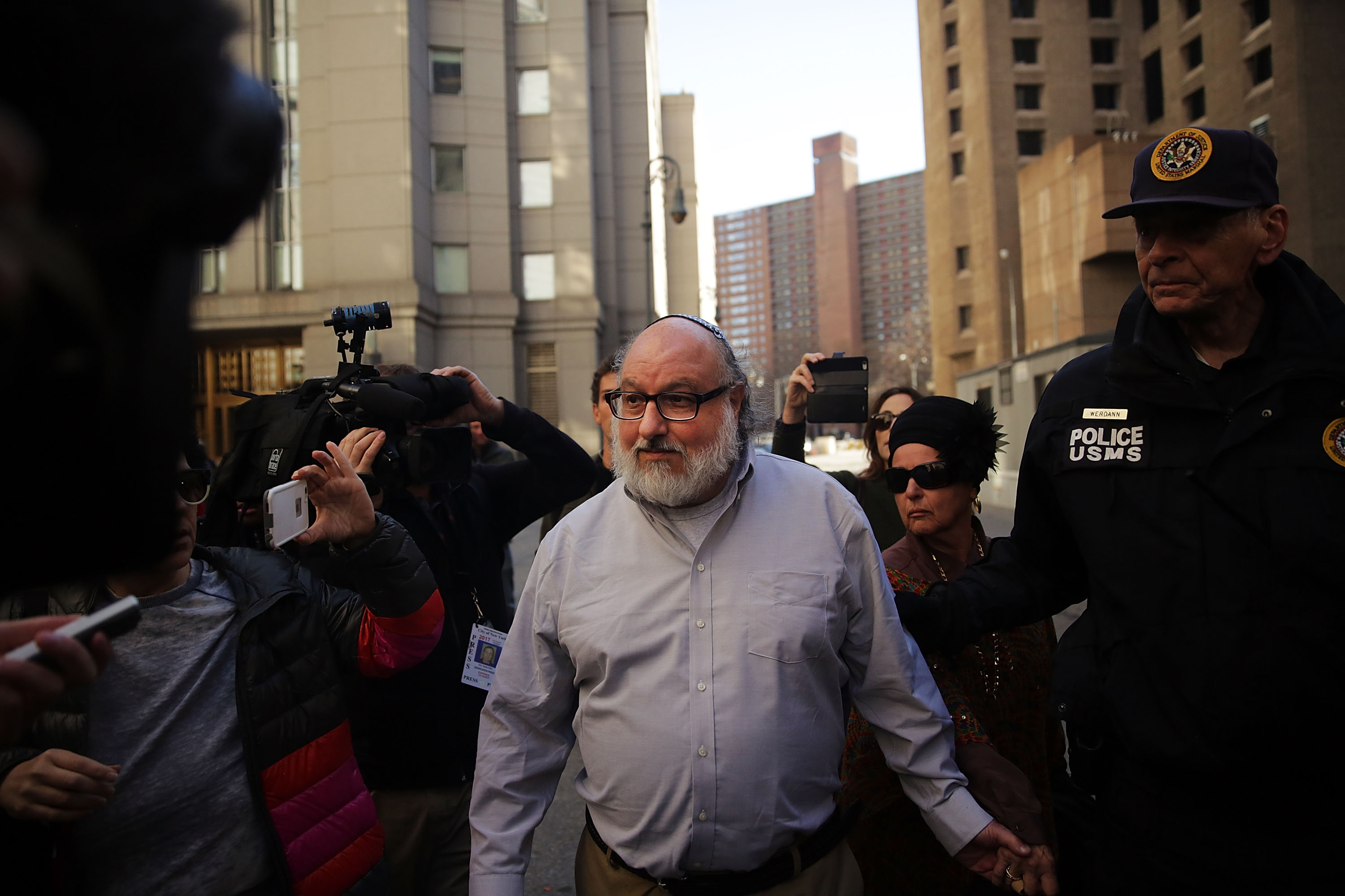 Convicted Spy For Israel Jonathan Pollard Out On Parole