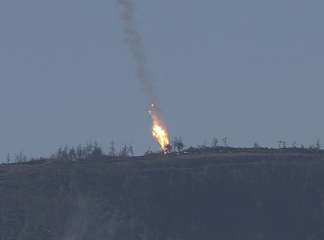 Warplane crashes in Syria near Turkeys border