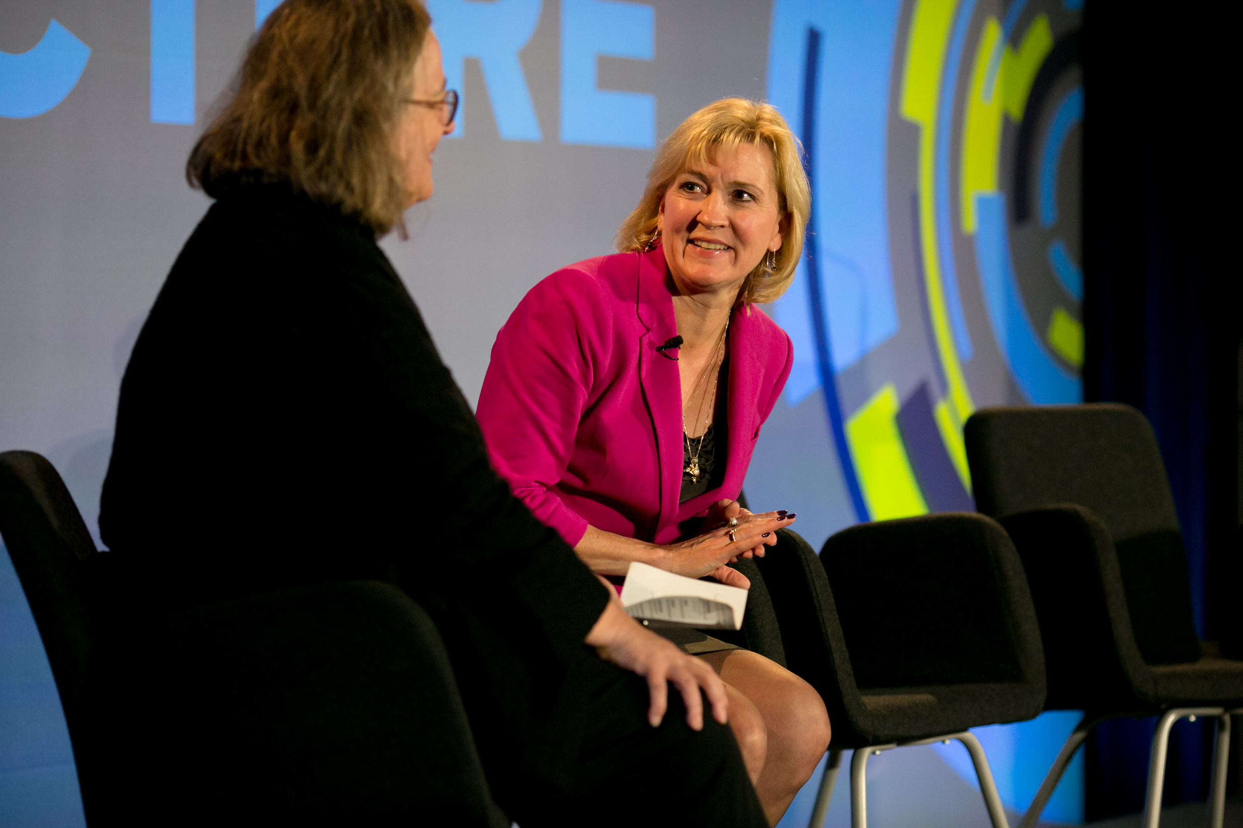 Barb Darrow (left) and Arlette Hart from the FBI (right) at Structure 2015 in Stan Francisco.