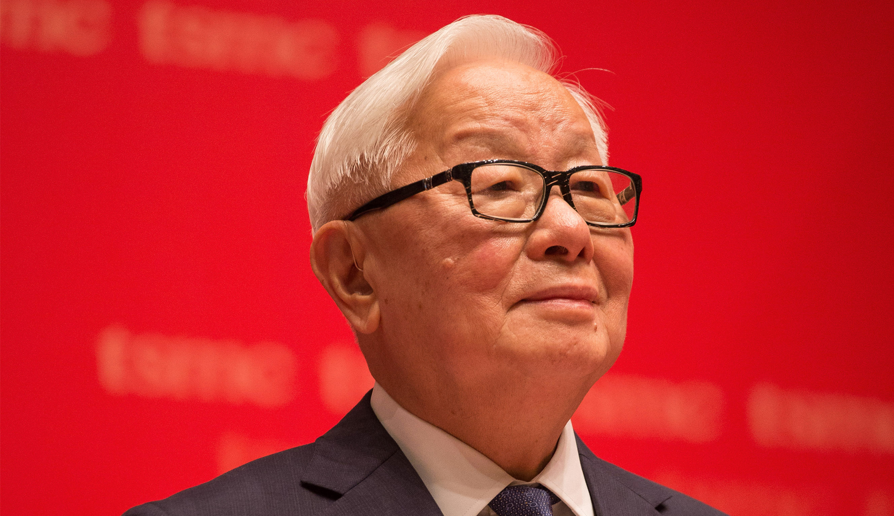 Morris Chang, chairman and founder of Taiwan Semiconductor Manufacturing Company Ltd. (TSMC), attends the company's annual general meeting in Hsinchu, Taiwan, on Tuesday, June 9, 2015. Chang expects sales to rise at least 10 percent this year. Photographer: Billy H.C. Kwok/Getty Images