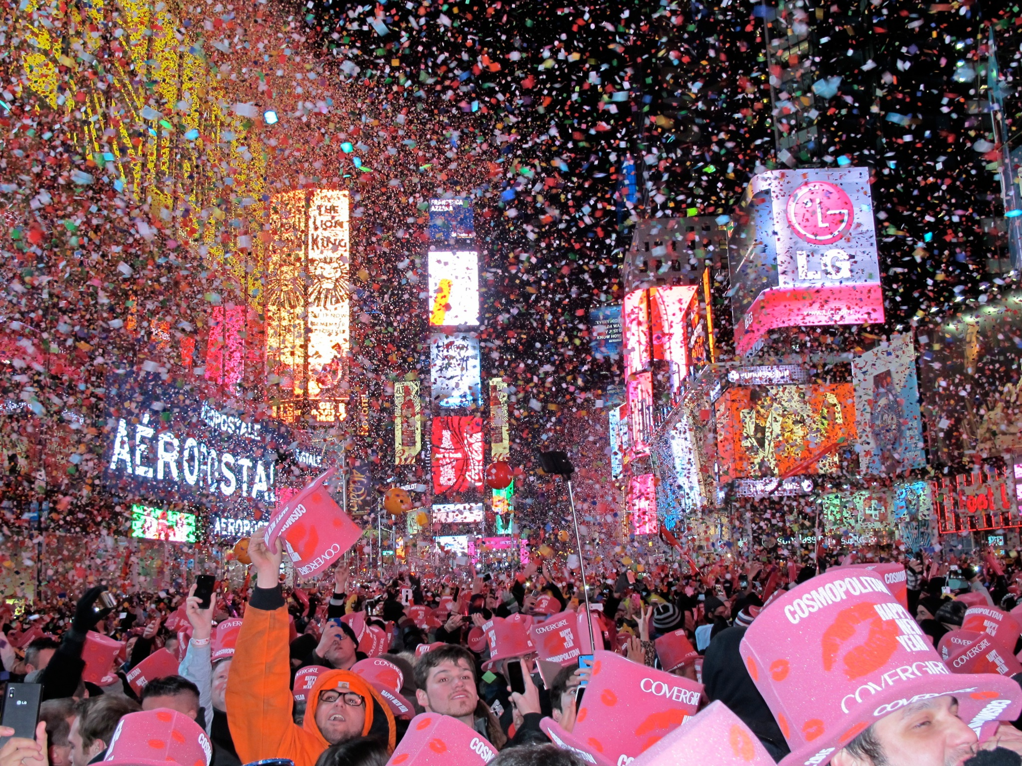 Celebrating New Yearu0027s Eve in Times Square? A Drone Will Be