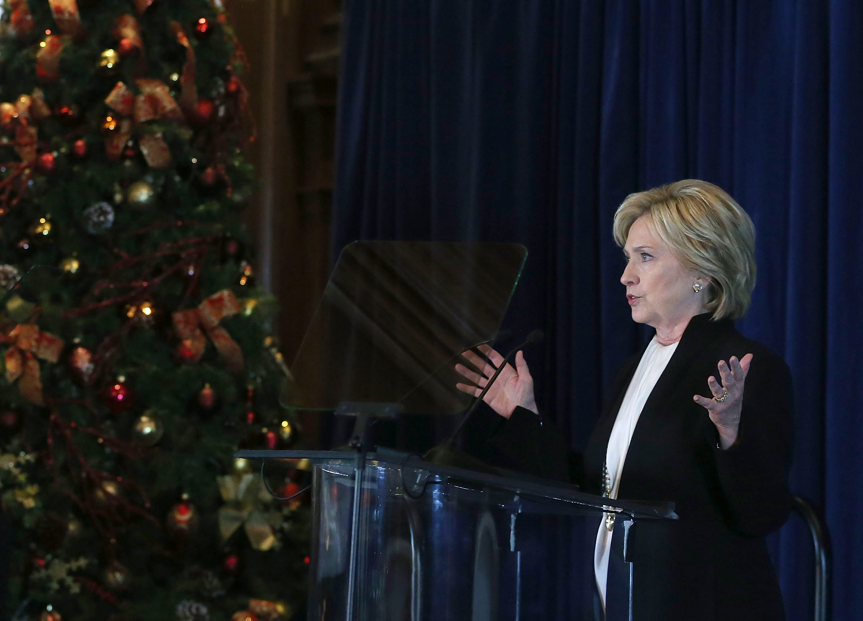WASHINGTON, DC - DECEMBER 06:  Democratic presidential candidate Hillary Clinton speaks about relations with Israel and the situation with ISIS at the Willard Hotel, December 6, 2015 in Washington, DC. Clinton addressed guests gathered at the Brookings 2015 Forum.  (Photo by Mark Wilson/Getty Images)
