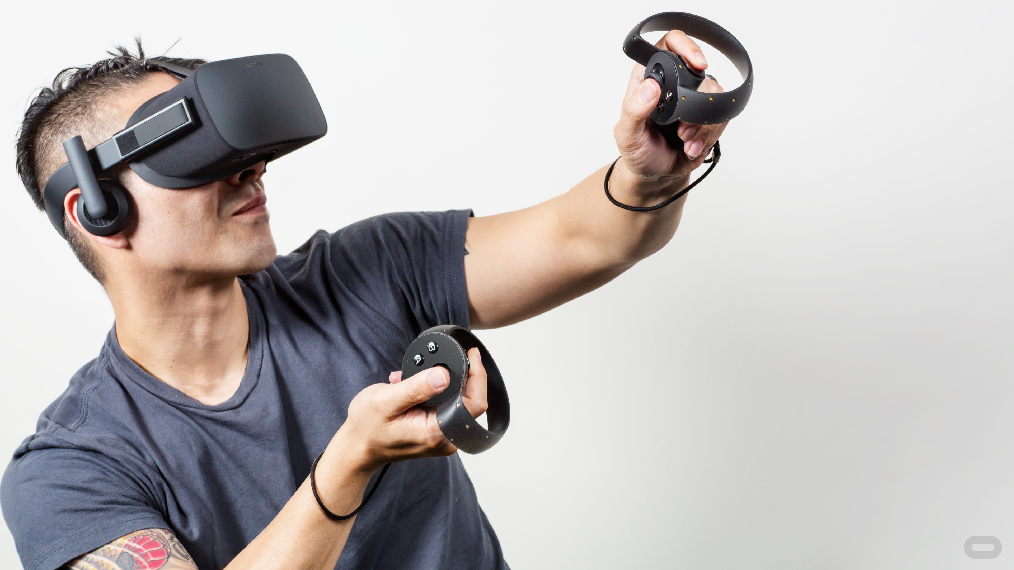 Facebook-owned Oculus VR will launch Oculus Rift in 2016.