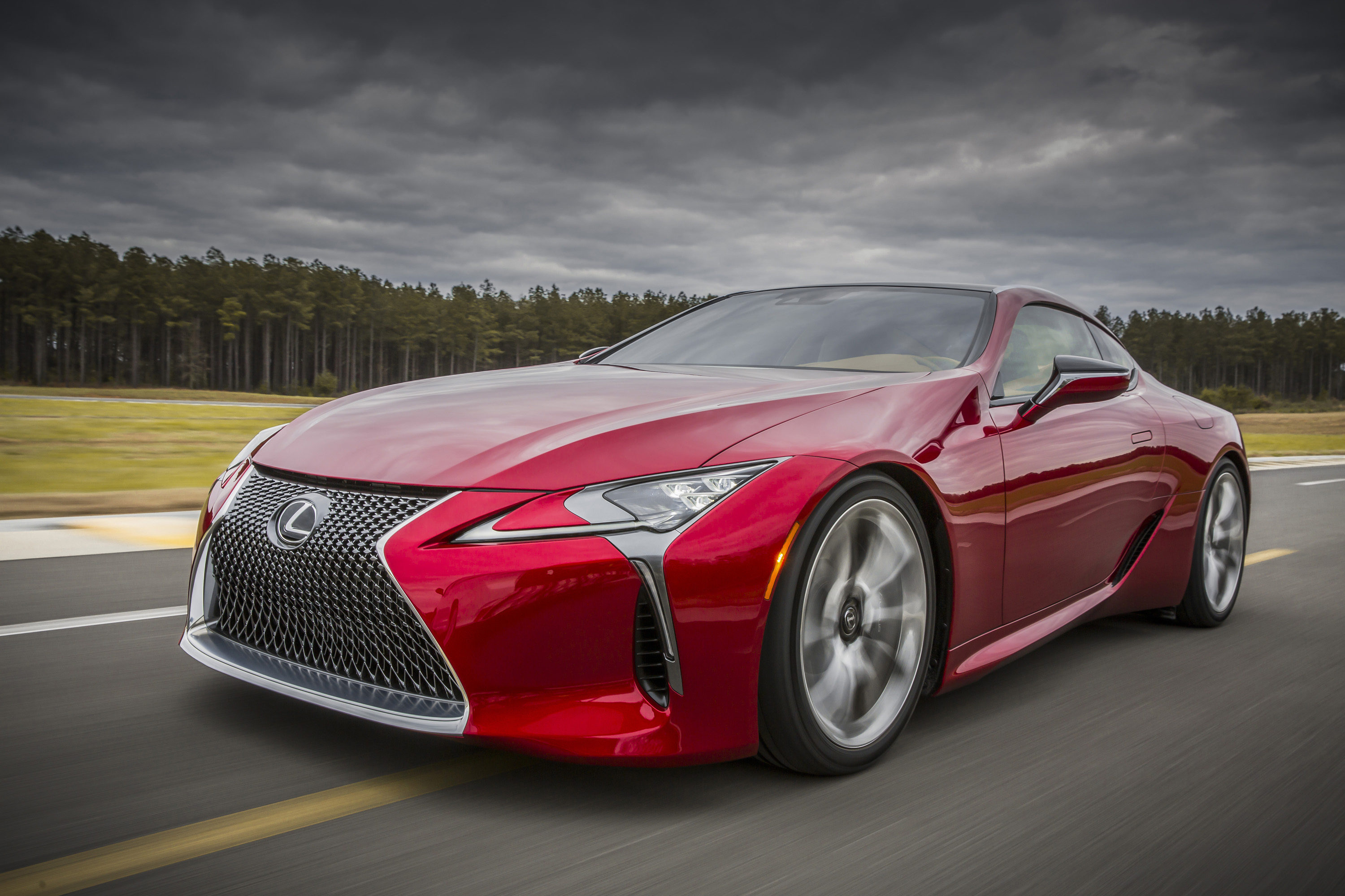 Lexus unveiled its all-new flagship coupe, the LC 500, in Detroit.