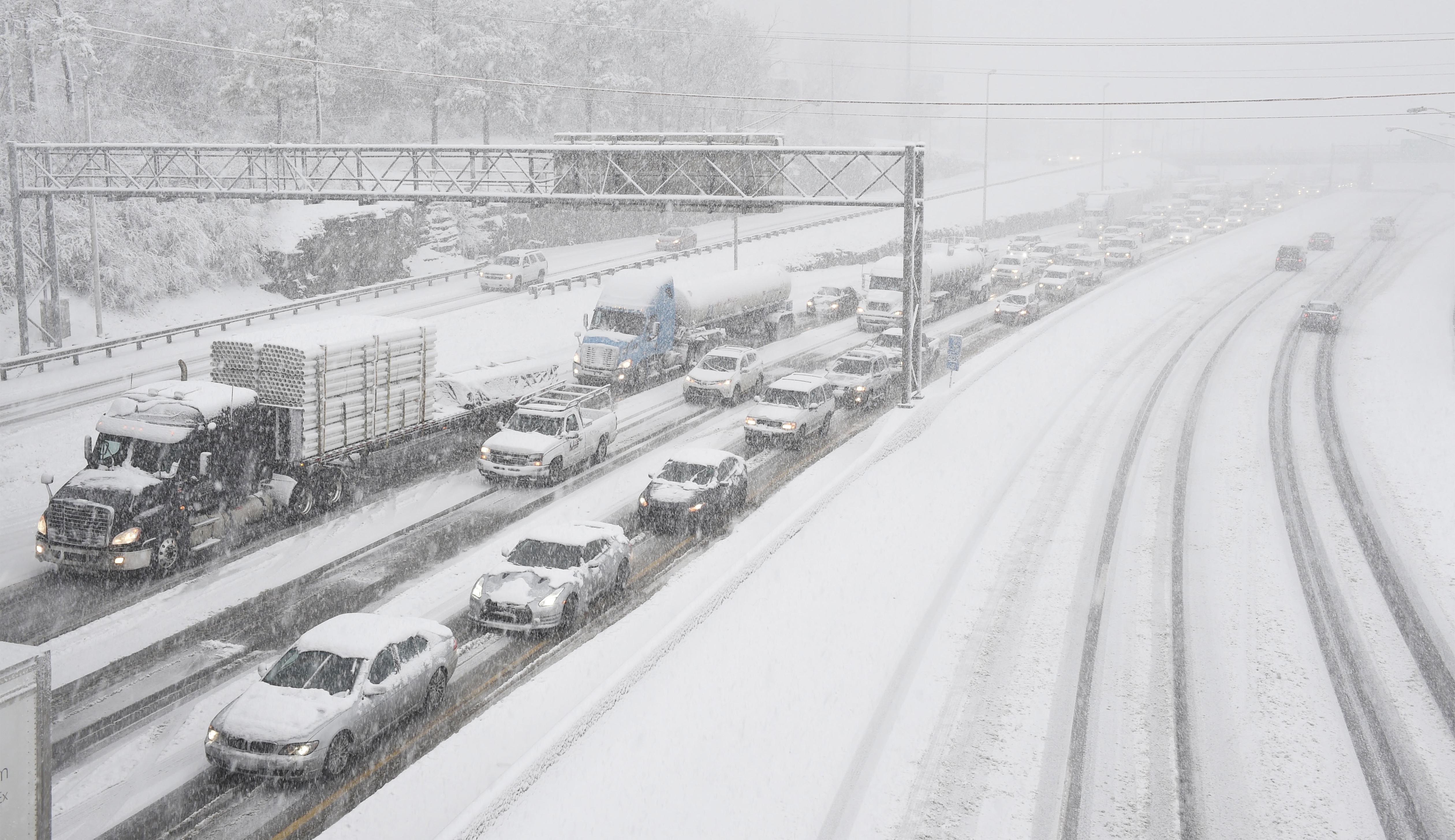APTOPIX Big Snowstorm Tennessee