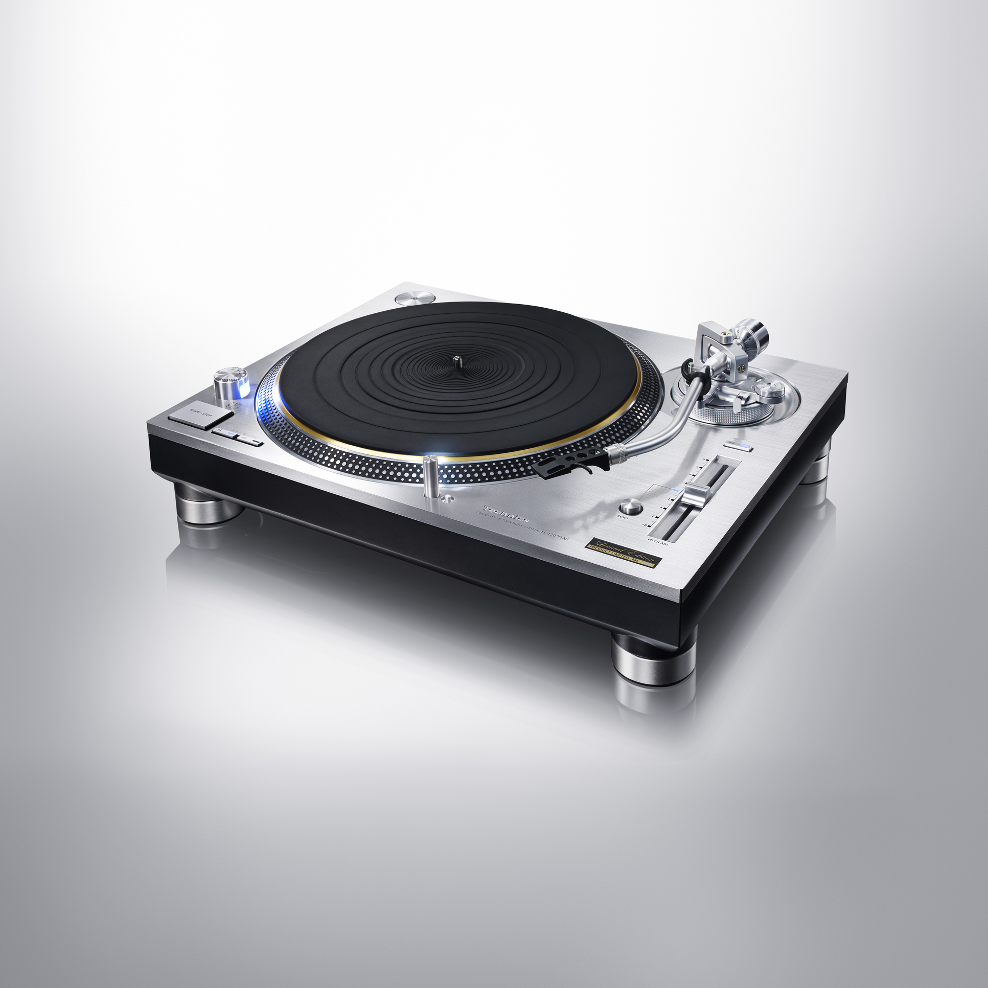 Technics turntable SL-1200