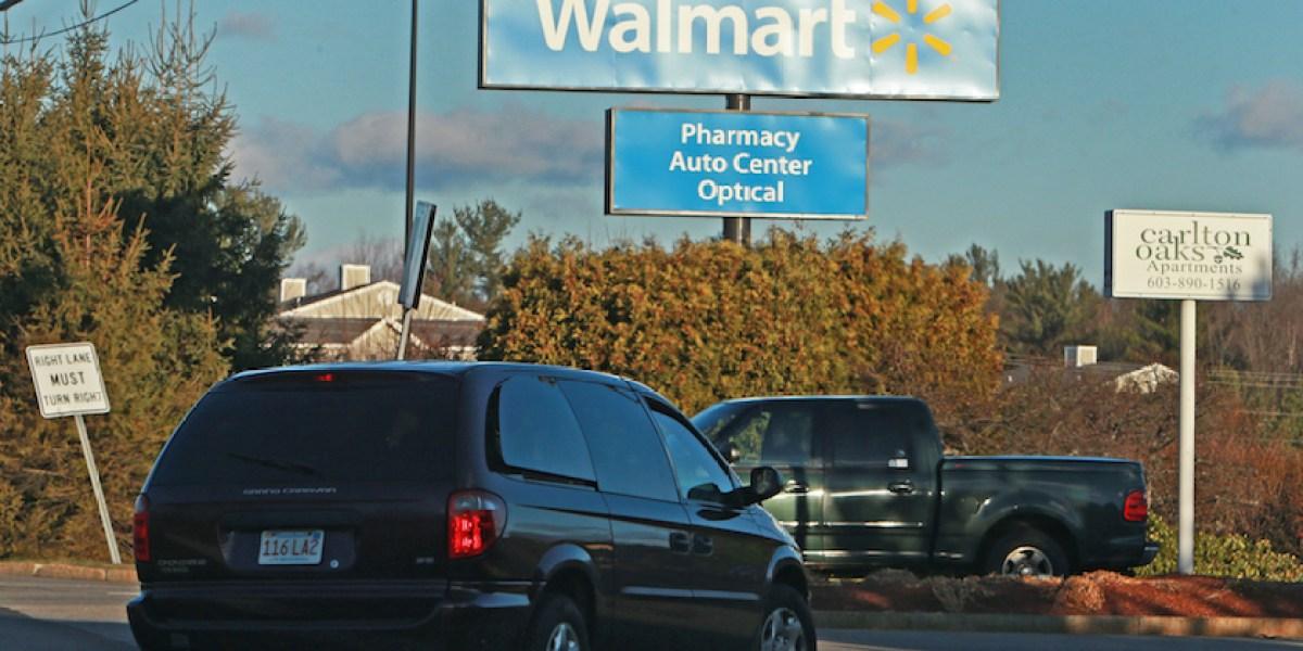 is walmart auto center open on sunday