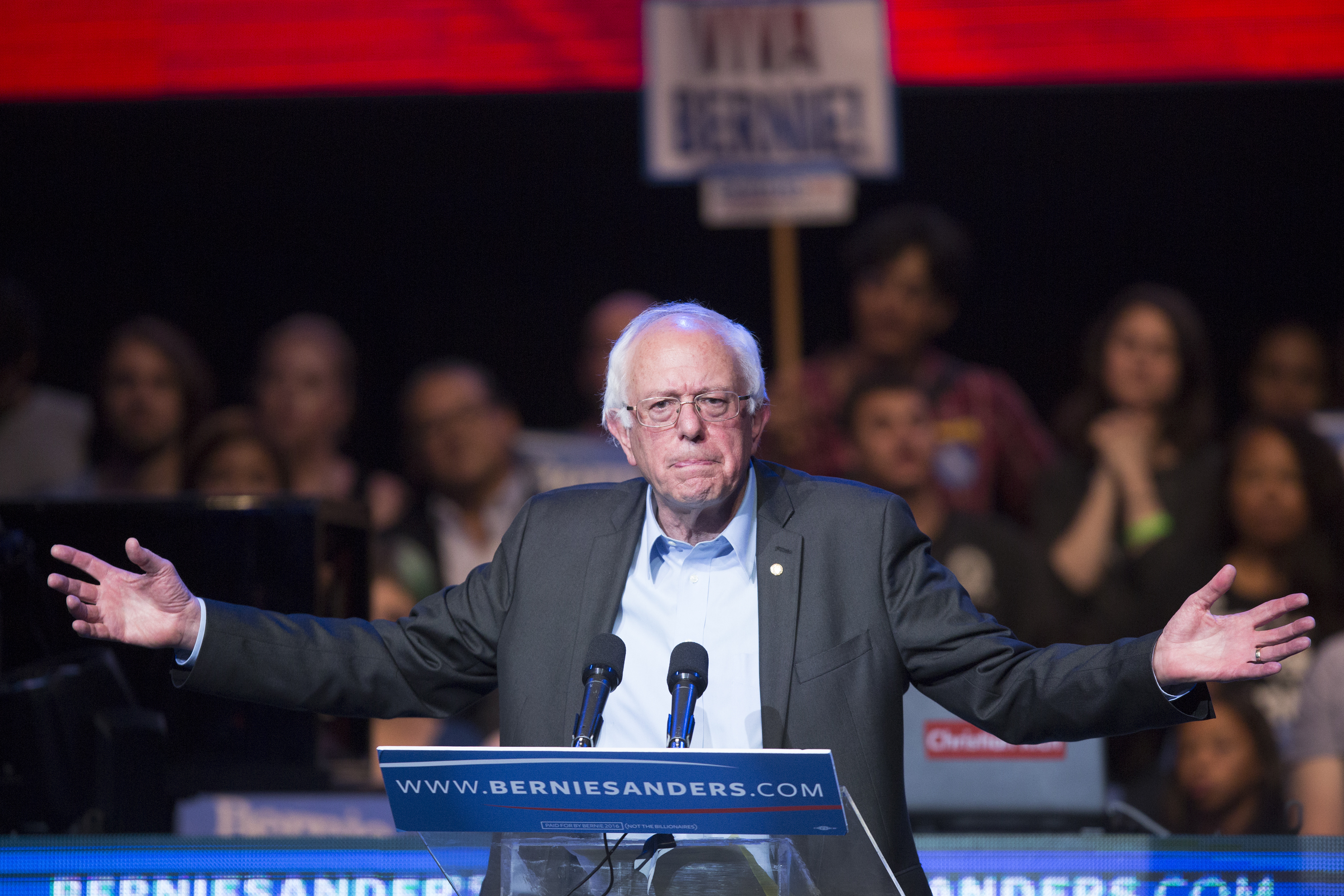 Bernie Sanders Hosts LA Fundraising Reception