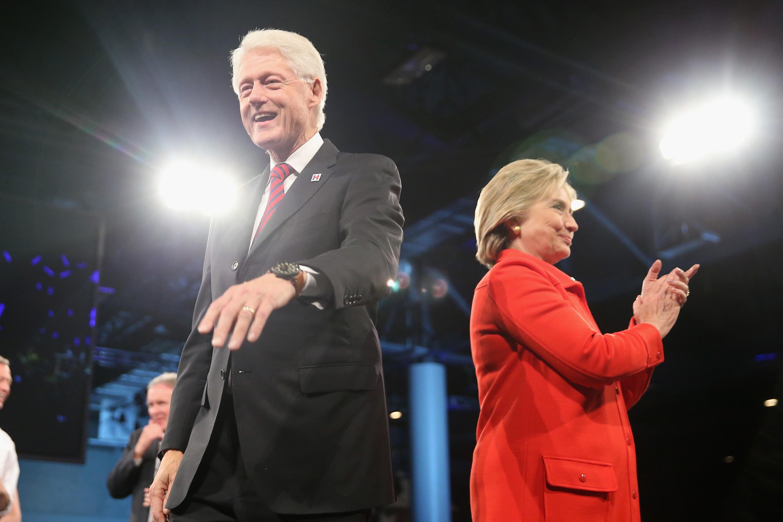 Hillary Clinton and Bill Clinton Jefferson-Jackson Dinner (2) 2015