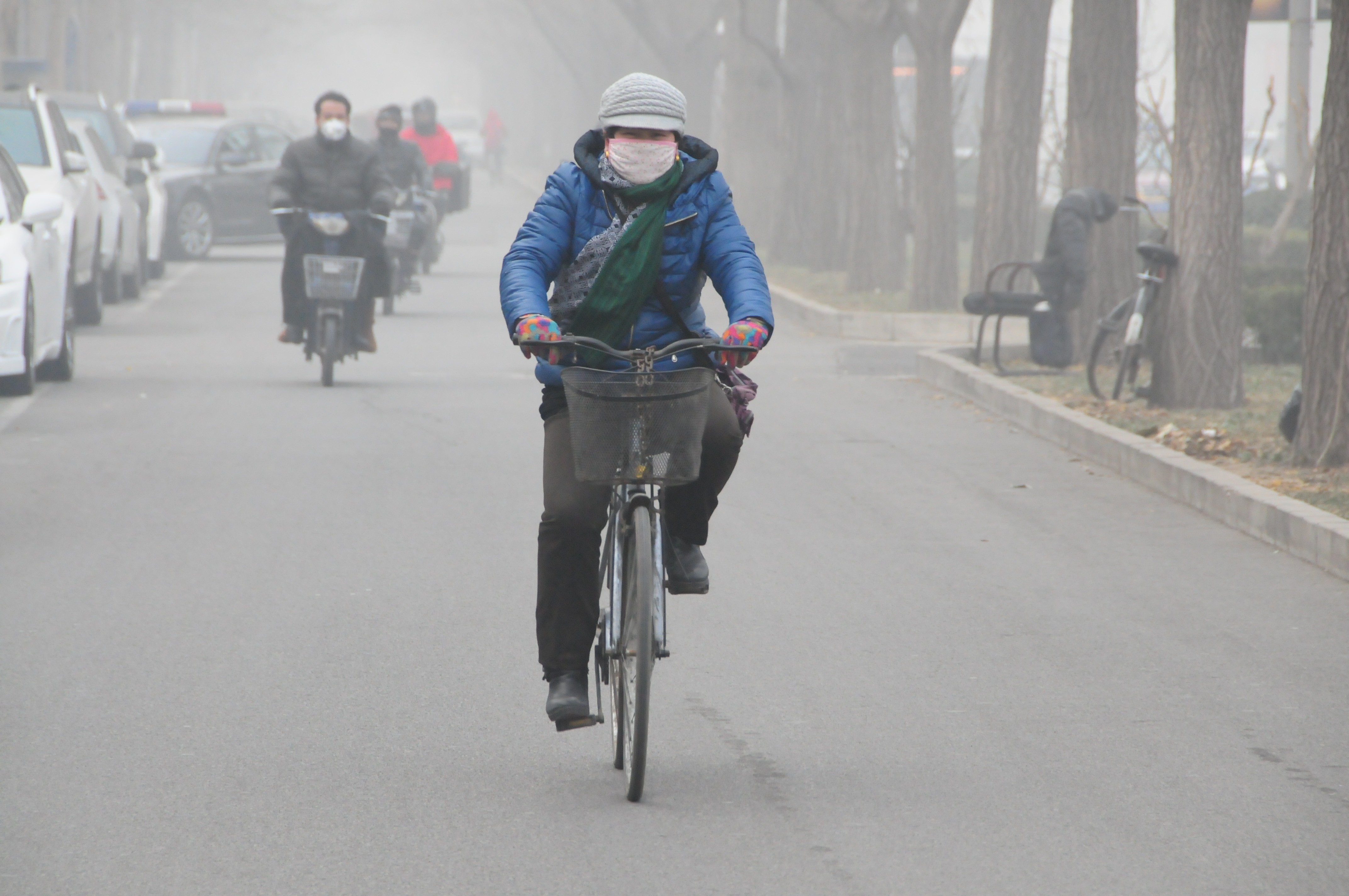 China issues red alert for smog in 10 cities