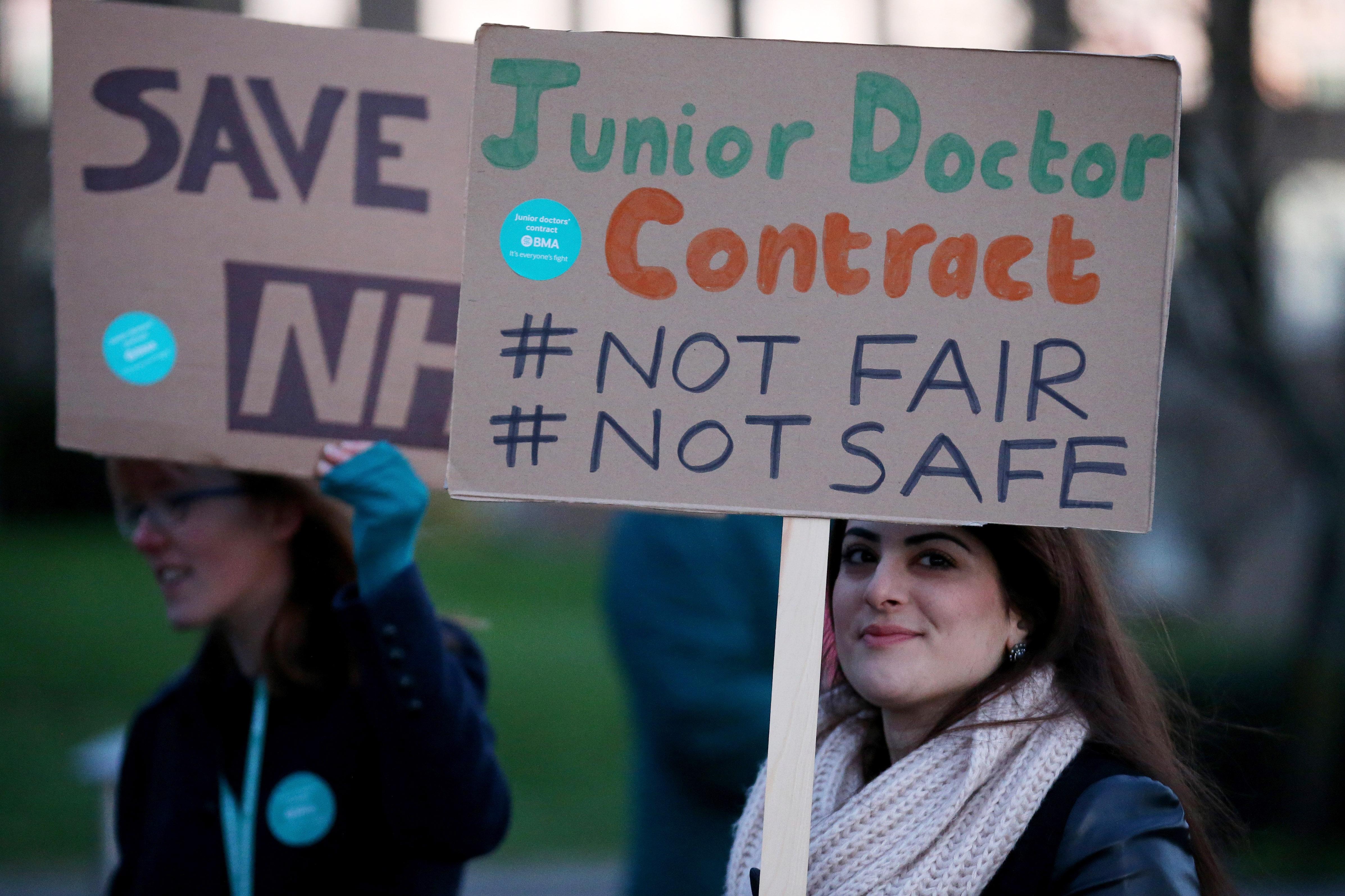 Junior Doctors Stage 24 Hour Strike Across NHS In England