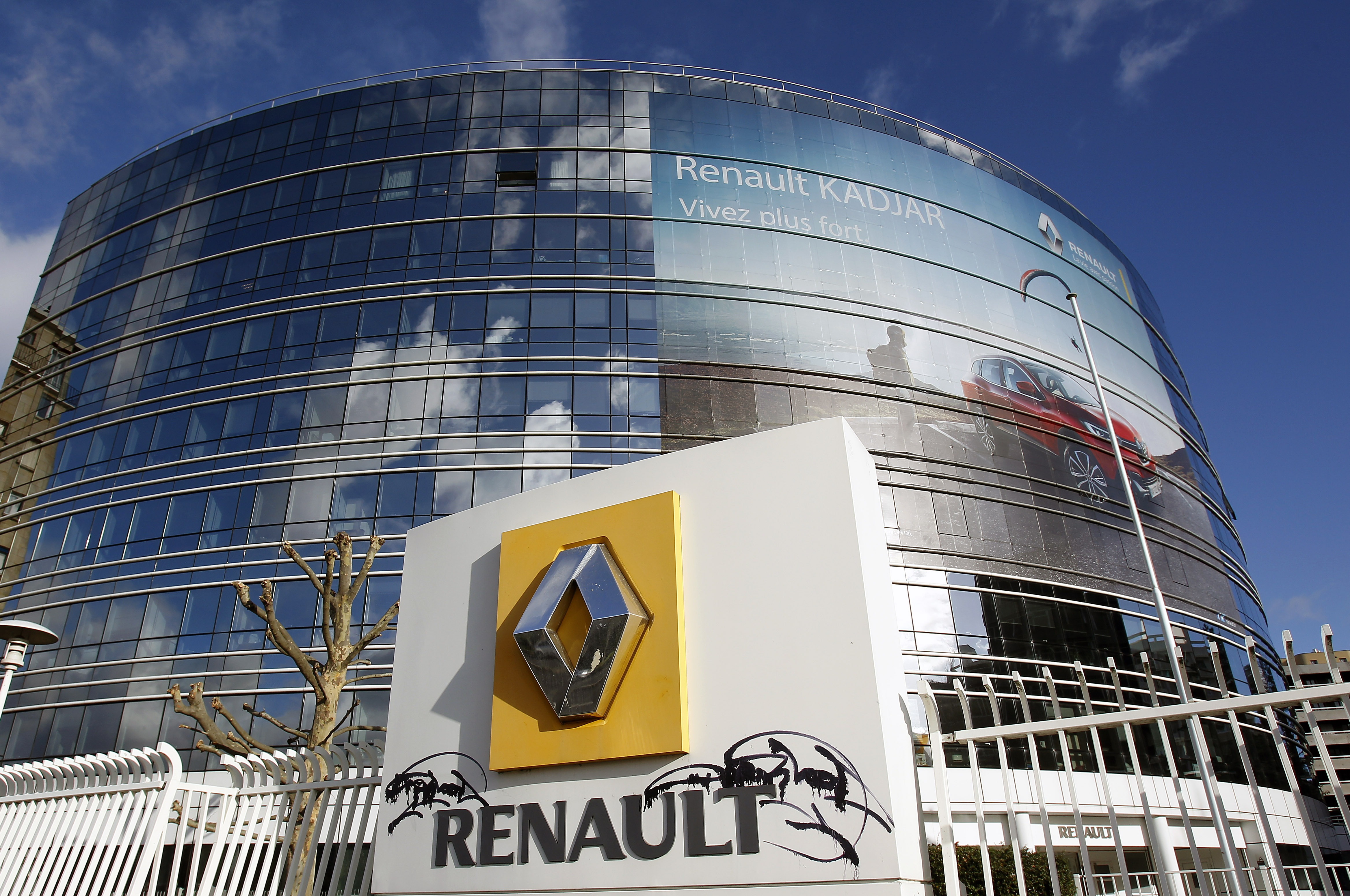 Renault Shares Drop After Reports Of Emissions Probe