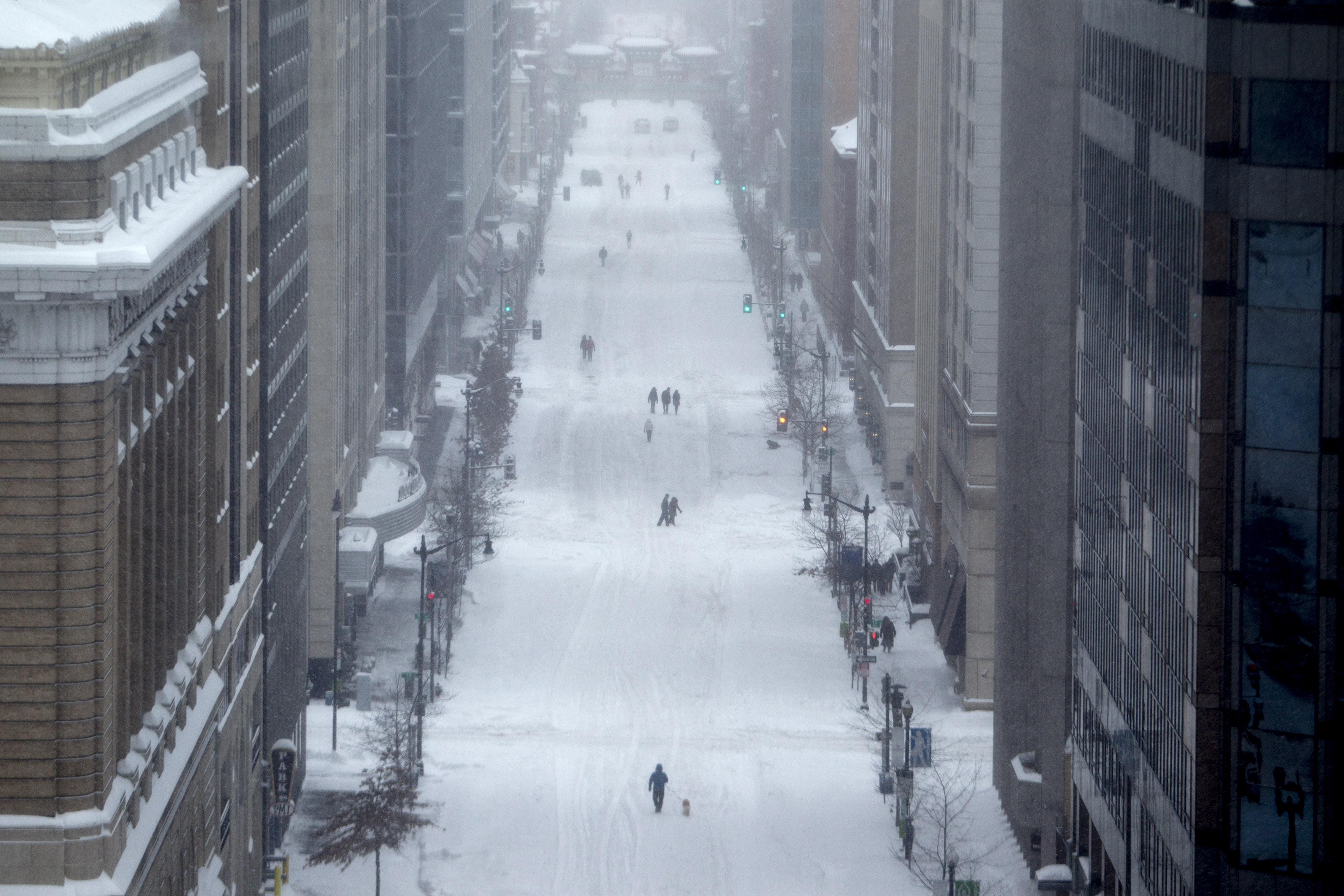 Winter Storm Snarls Transportation From Washington To New York