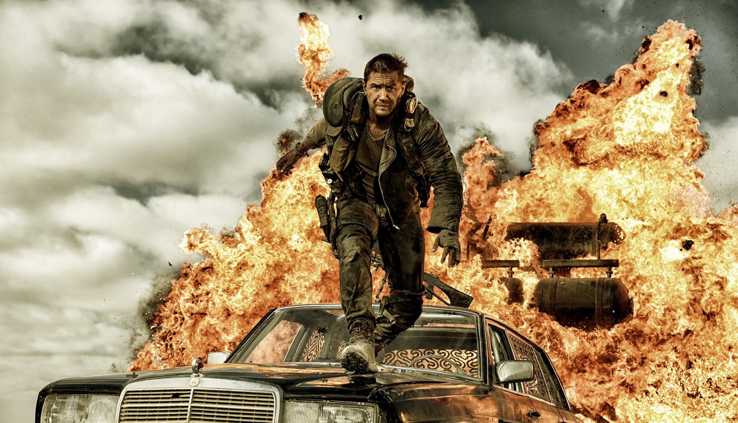MAD MAX: FURY ROAD, Tom Hardy, 2015. ph: Jasin Boland/©Warner Bros. Pictures/courtesy Everett