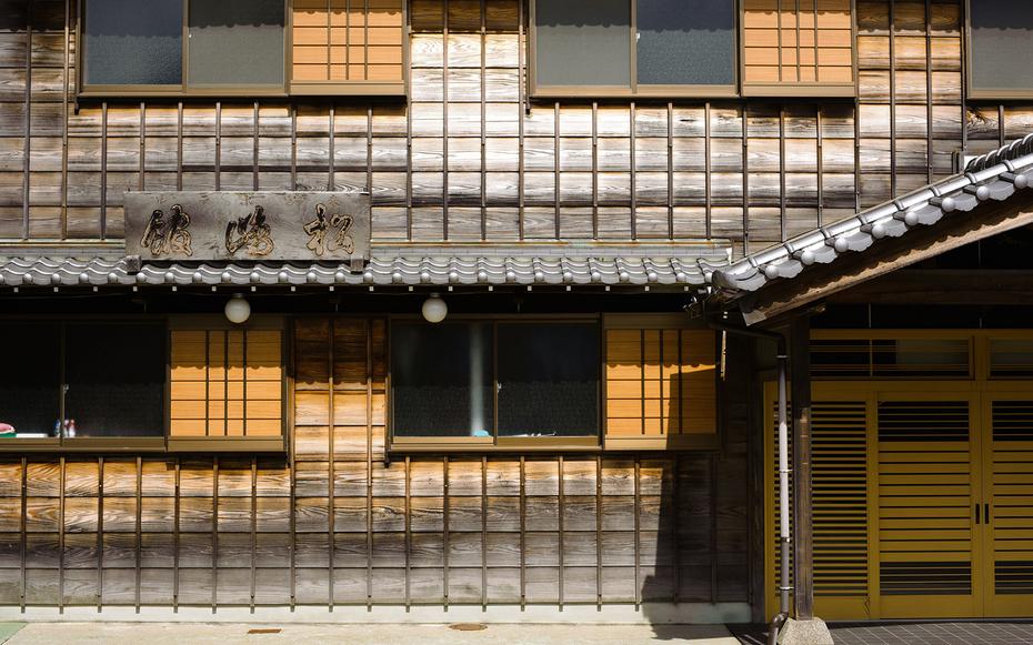World's oldest hotel entrance