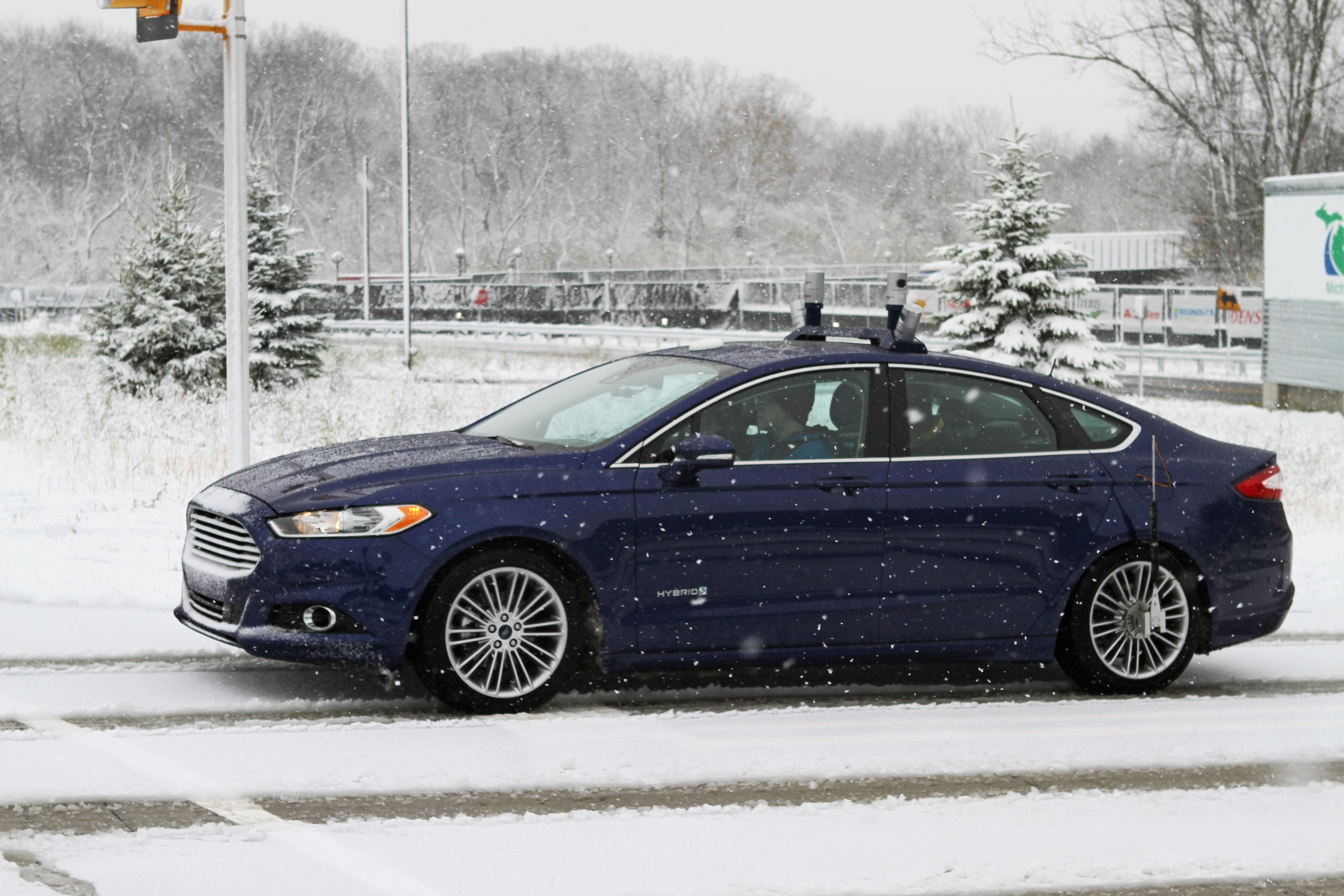 Ford is testing its self-driving cars in the snow.