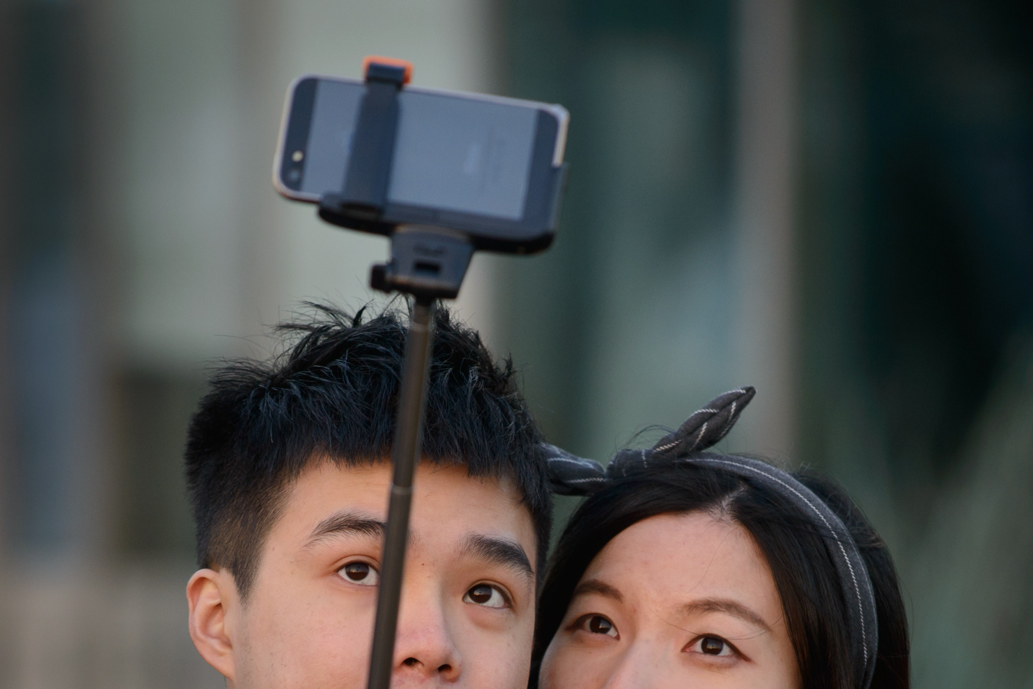 SKOREA-LIFESTYLE-TECHNOLOGY-CRIME-SELFIE