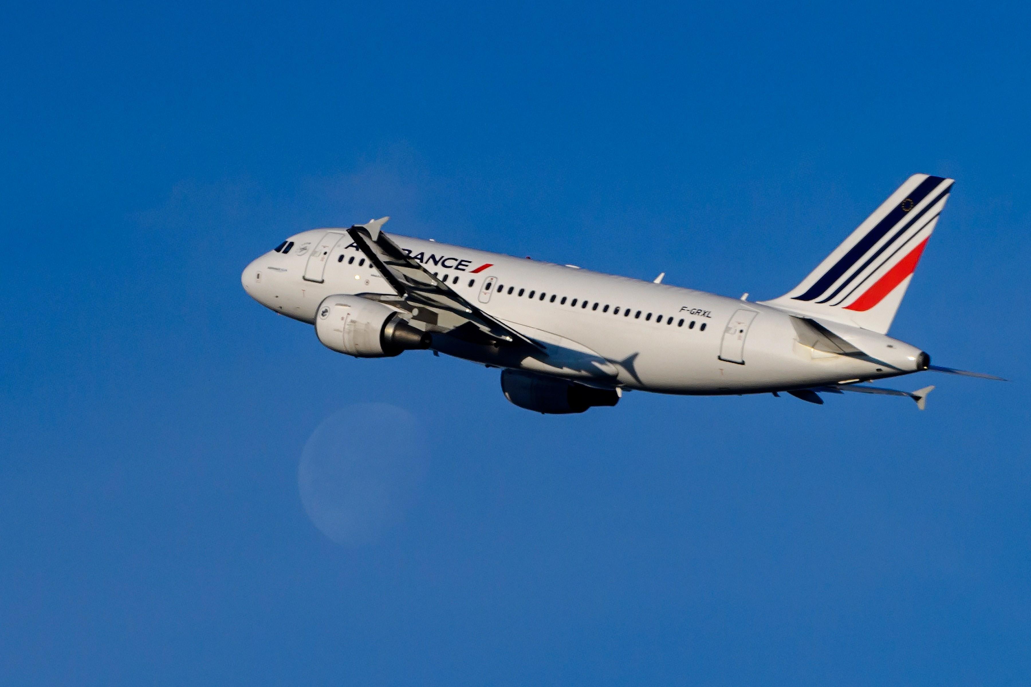 SWITZERLAND-IATA-AIRLINE-BUSINESS-EARNINGS