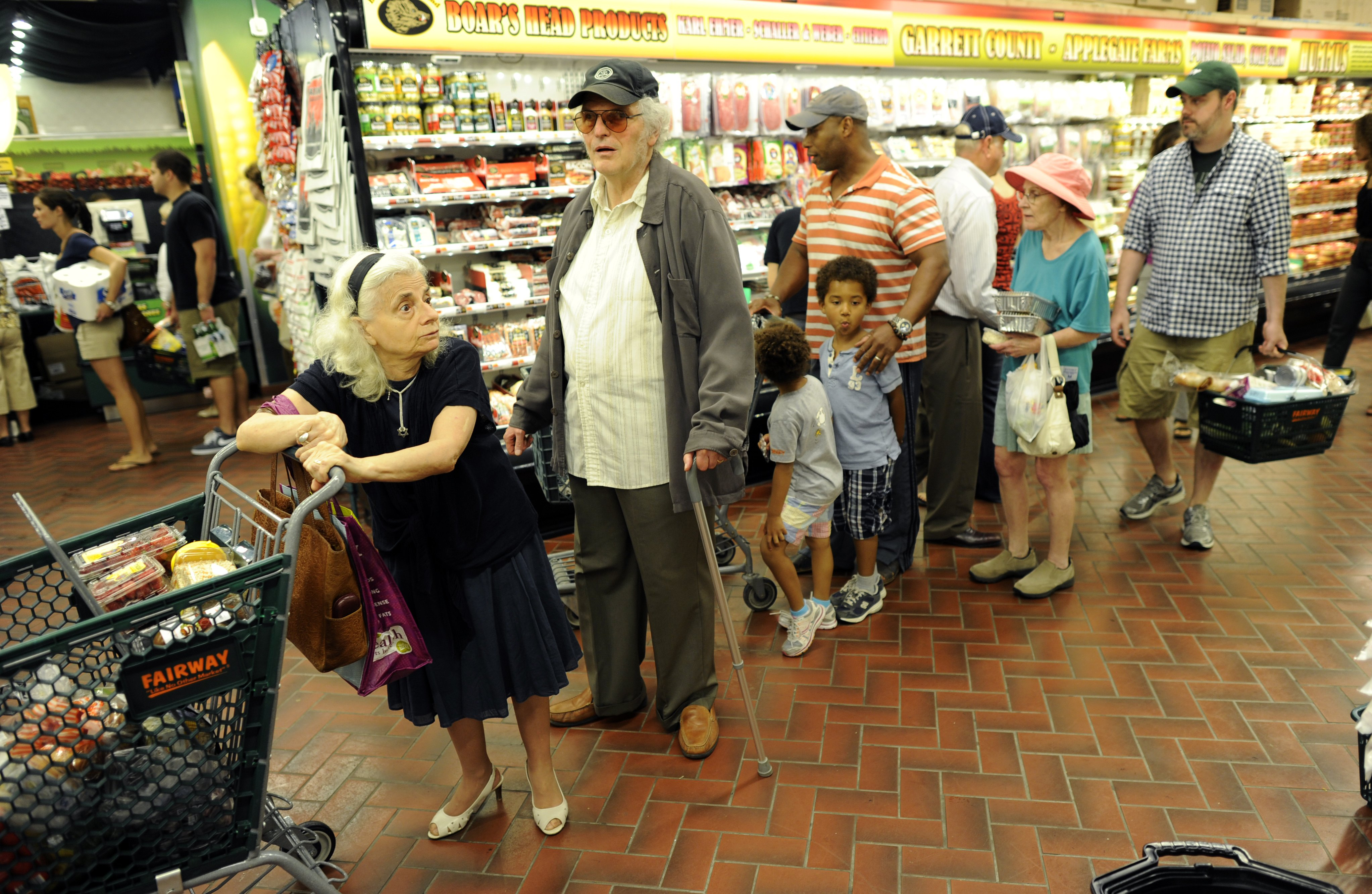 New Yorkers line up for the checkout lin