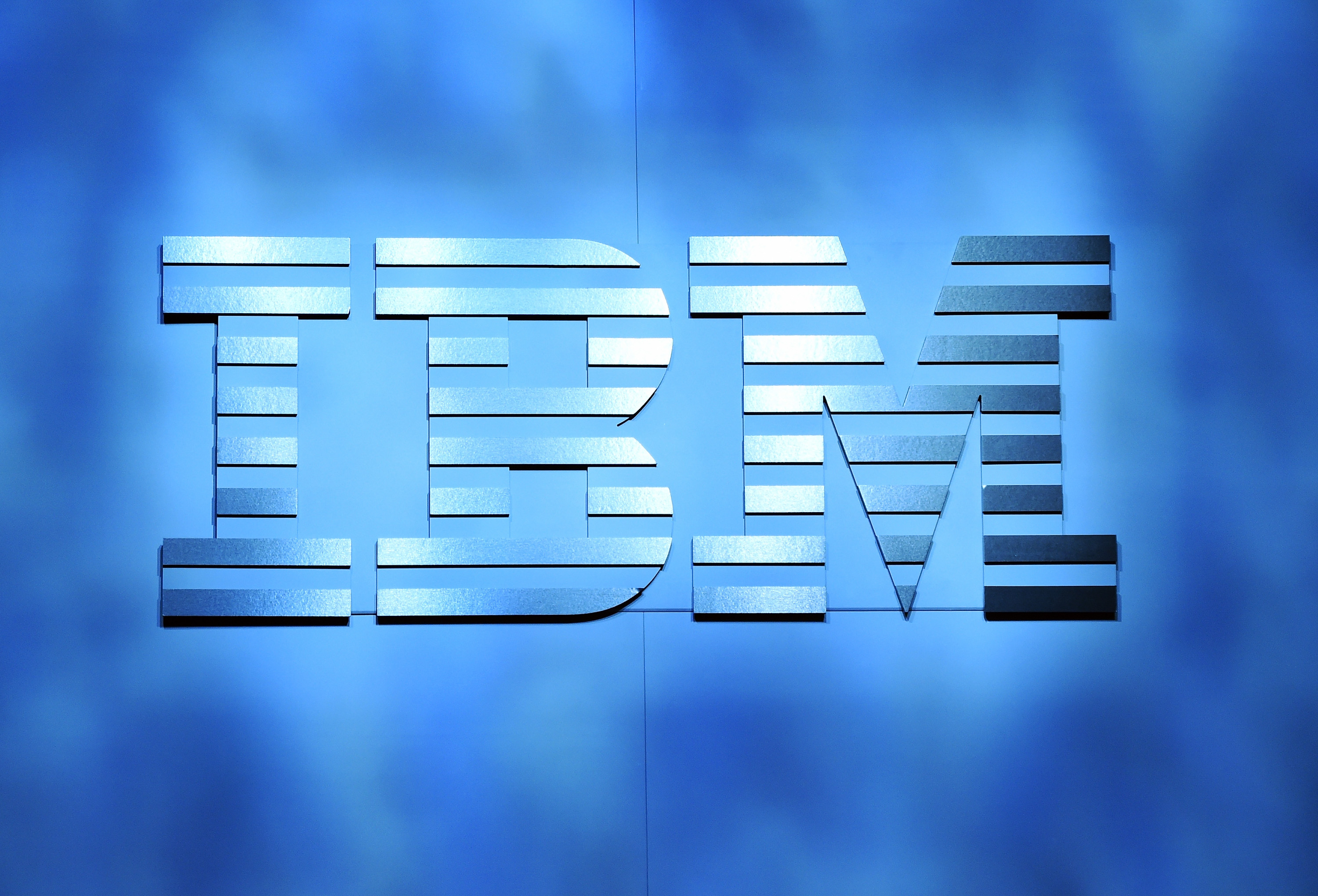 IBM Goes On The Offensive While Revenue Declines | Fortune