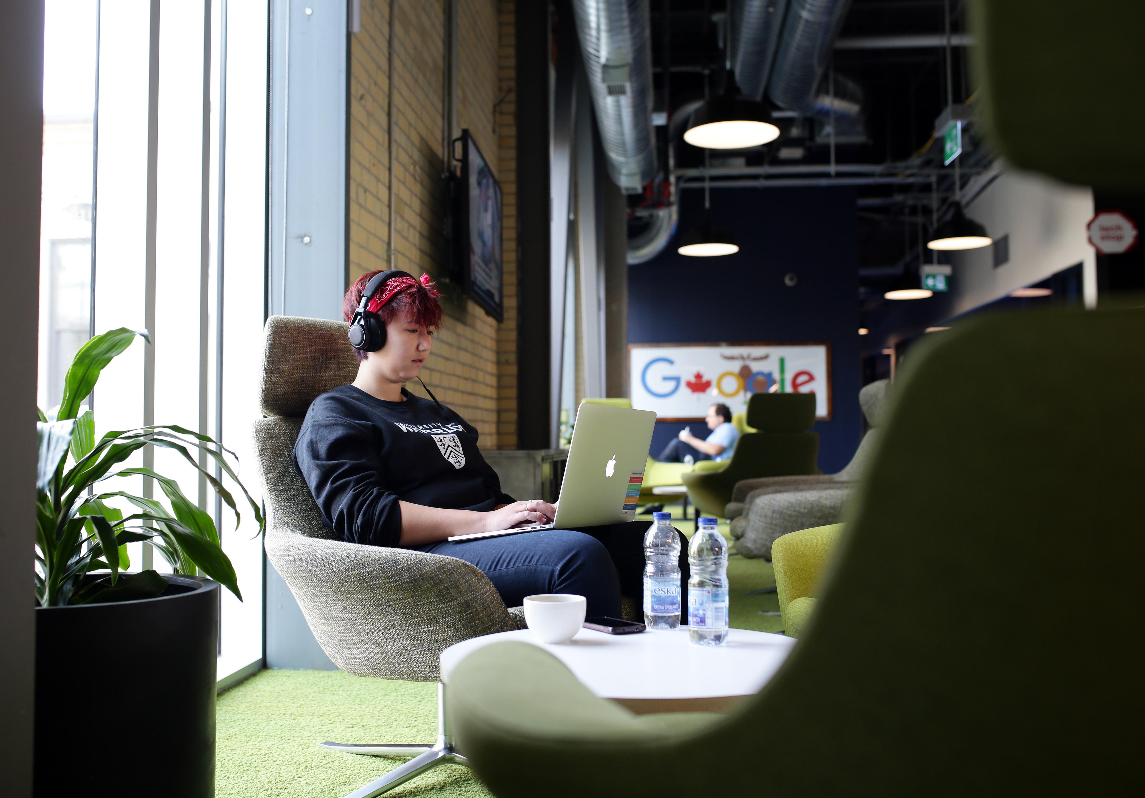 Google - Best Companies 2016