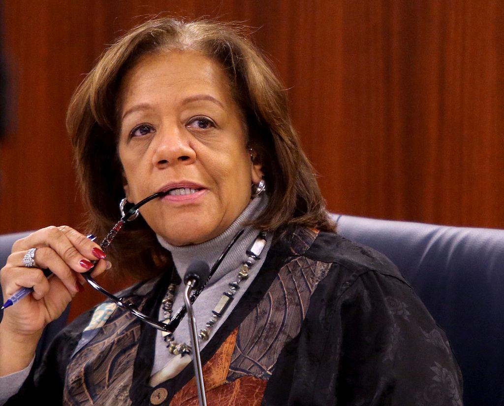 Chicago schools chief resigns amid federal criminal investigation